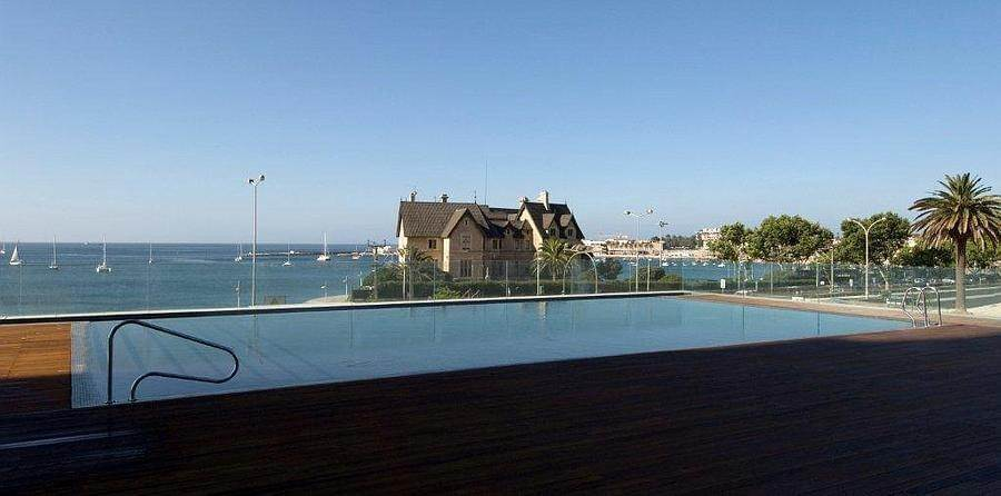 2. Appartements / Flats pour l à louer à 4+1 bedroom apartment, with a 286 sqm area, placed in Estoril Sol Residence.The apartment is composed by a 11 sqm entry ... Cascais, Portugal