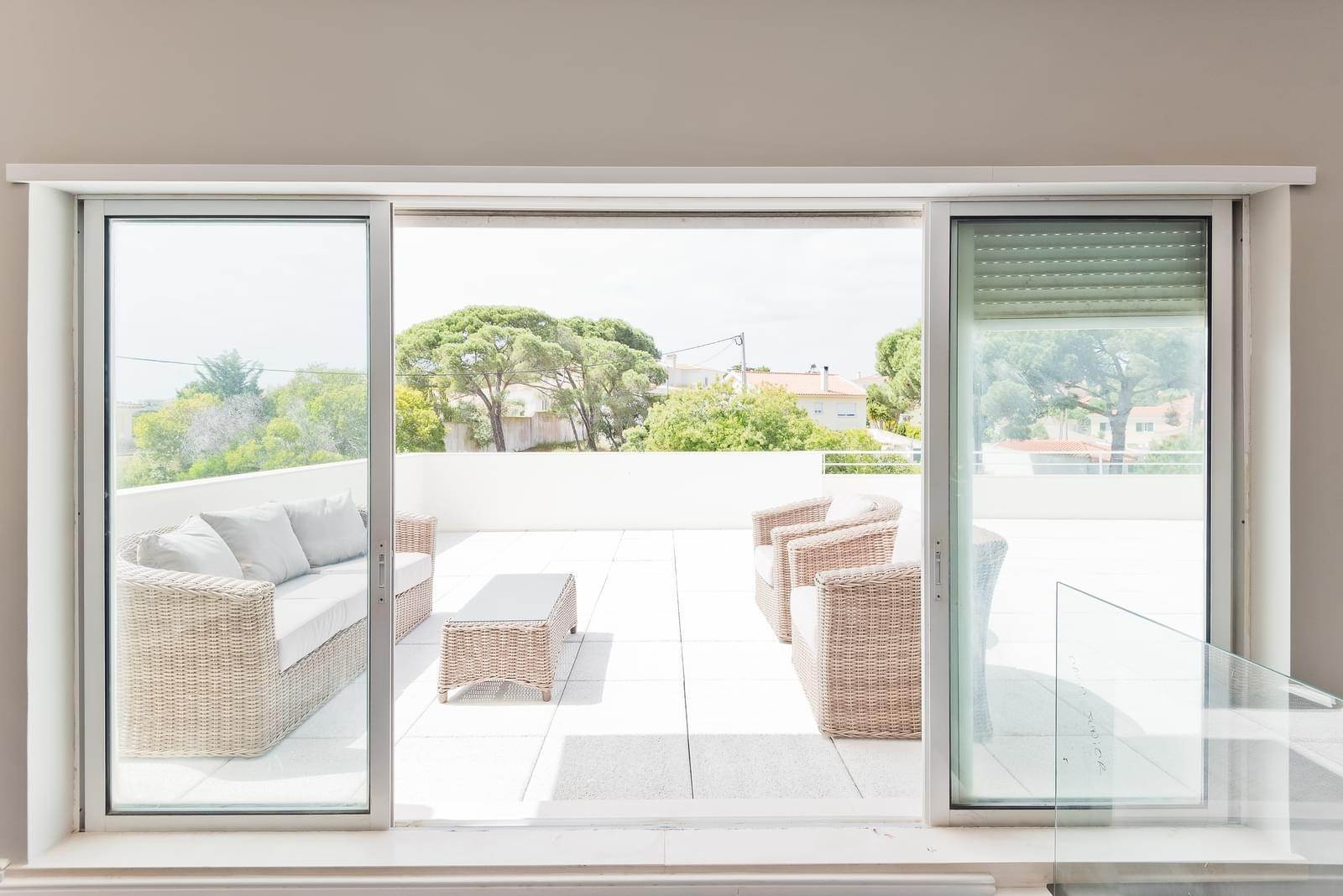 21. Appartamenti per Vendita alle ore 3+1 bedroom apartment in Bicesse, Cascais, placed in a private condominium.The apartment, with 215 sqm and a 111 sqm ter... Cascais, Portogallo