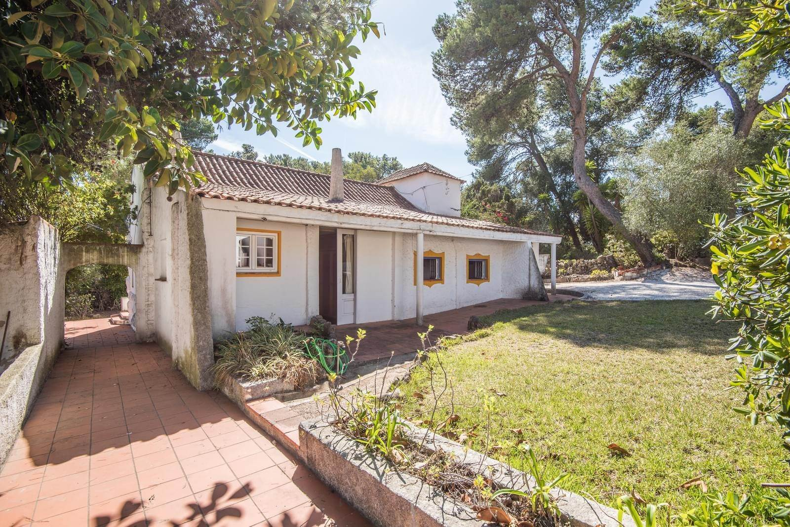 5. 別墅 / 联排别墅 為 出售 在 Unique property, located next to Quinta da Marinha, a quiet area.The property comprises six small villas, with deep refu... Cascais, 葡萄牙