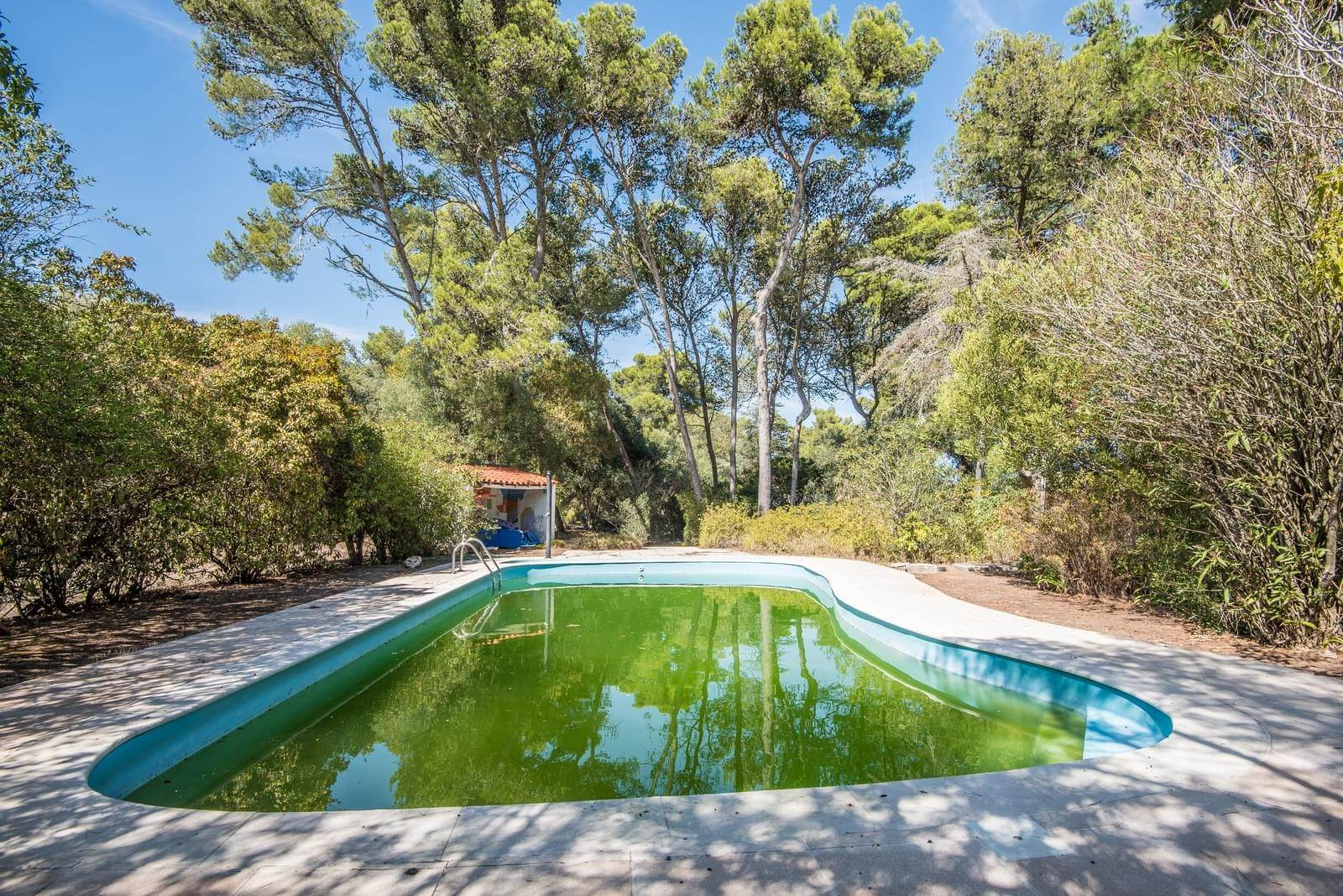 18. 別墅 / 联排别墅 為 出售 在 Unique property, located next to Quinta da Marinha, a quiet area.The property comprises six small villas, with deep refu... Cascais, 葡萄牙