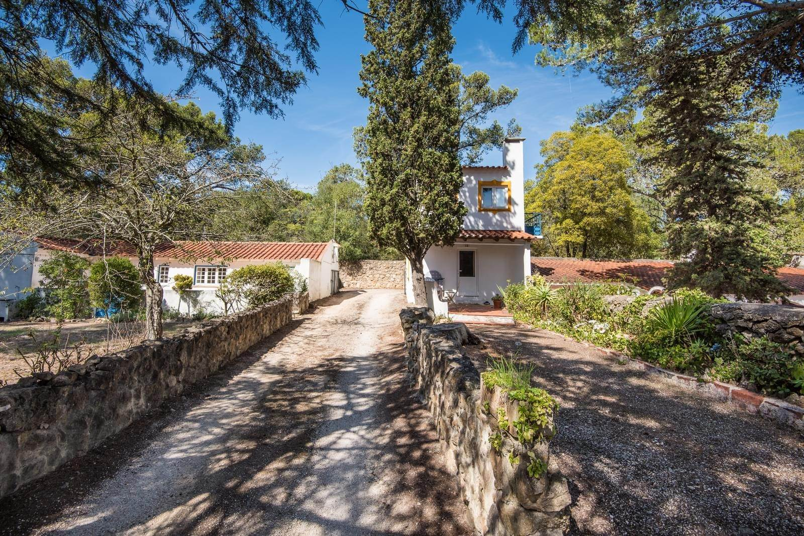 8. 別墅 / 联排别墅 為 出售 在 Unique property, located next to Quinta da Marinha, a quiet area.The property comprises six small villas, with deep refu... Cascais, 葡萄牙