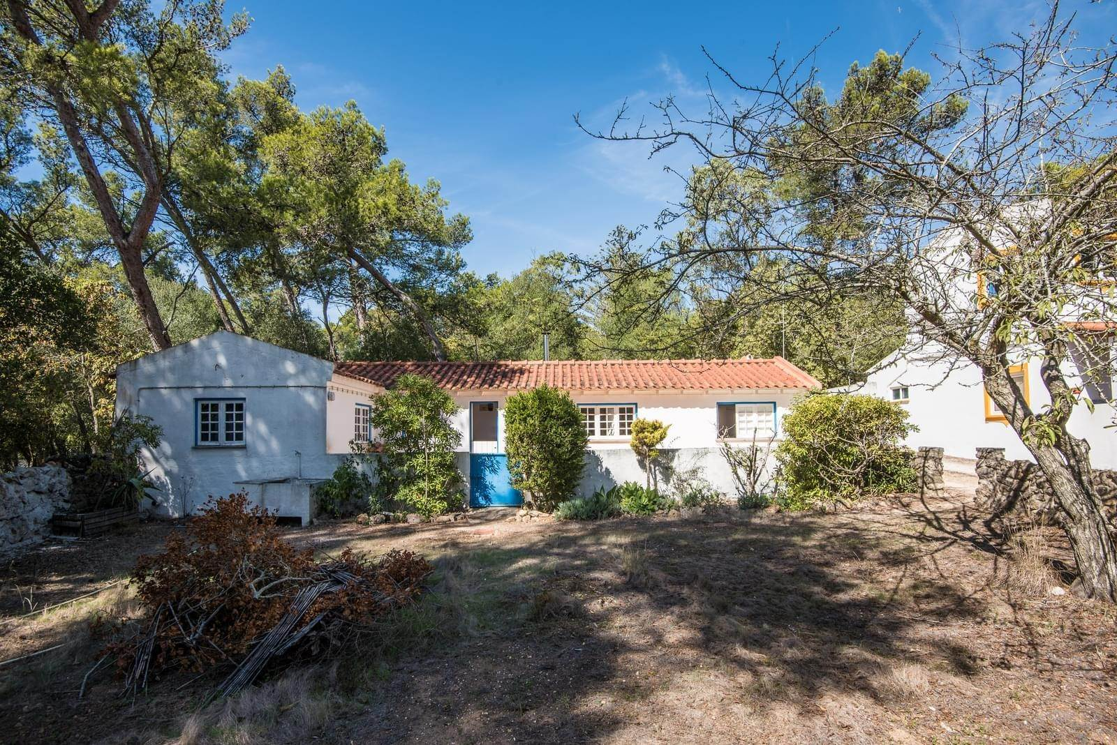 9. 別墅 / 联排别墅 為 出售 在 Unique property, located next to Quinta da Marinha, a quiet area.The property comprises six small villas, with deep refu... Cascais, 葡萄牙