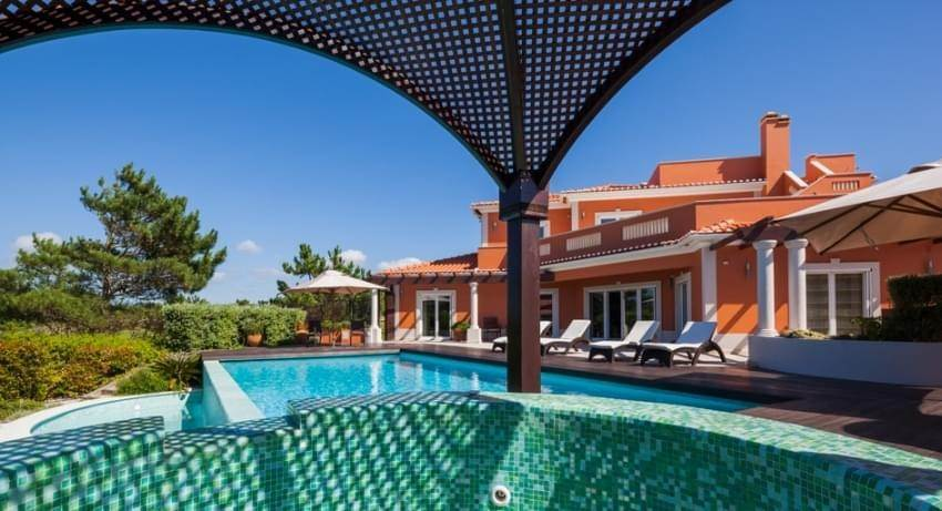 21. Villas / Moradias em banda para Venda às Fantastic 6 bedroom villa, with swimming pool and garden, located in a premium area that offers a panoramic view over th... Lisboa, Portugal