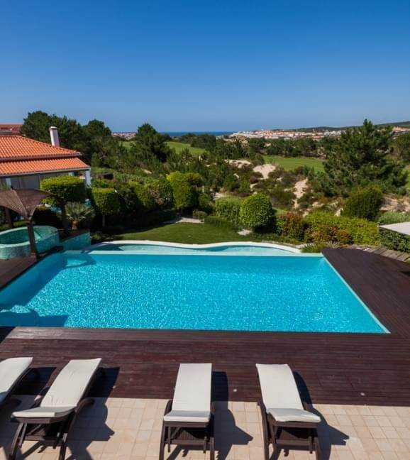22. Villas / Moradias em banda para Venda às Fantastic 6 bedroom villa, with swimming pool and garden, located in a premium area that offers a panoramic view over th... Lisboa, Portugal