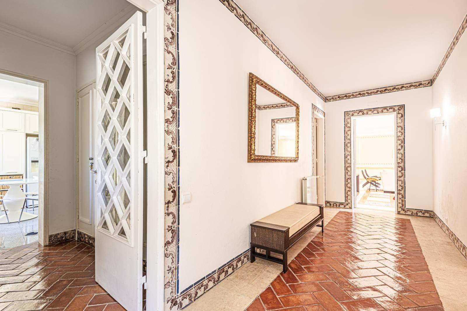 11. Villa/Townhouse for Sale at 9 bedroom villa, located in a quiet area in Cascais, only 8 minutes away, on foot, to the centre of Cascais.The villa is... Cascais, Portugal