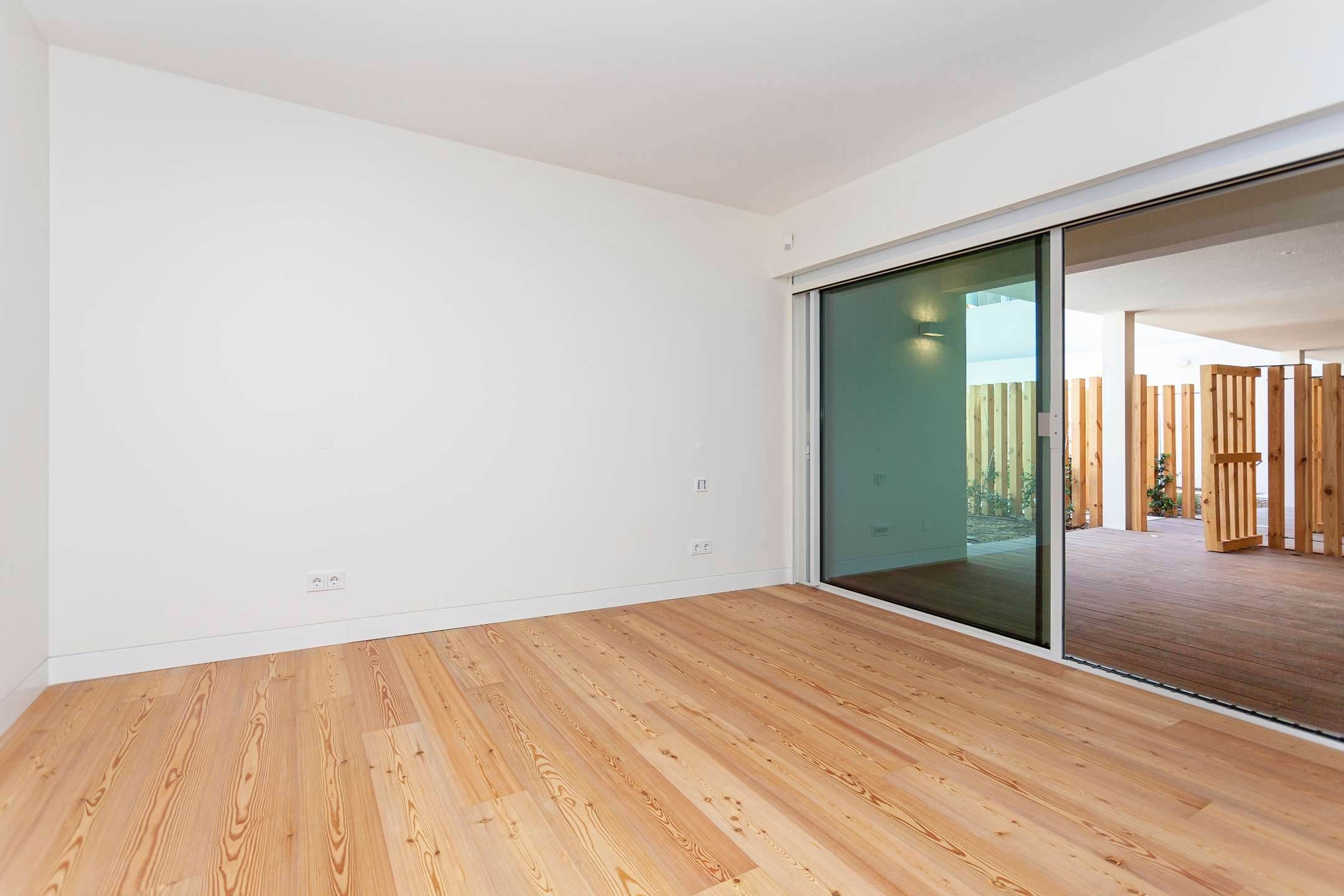 14. Apartamentos para Venda às 2 bedroom apartment, new and ready to debut, close to the most prestigious and sought after avenue of Lisbon.With an 87 ... Lisboa, Portugal