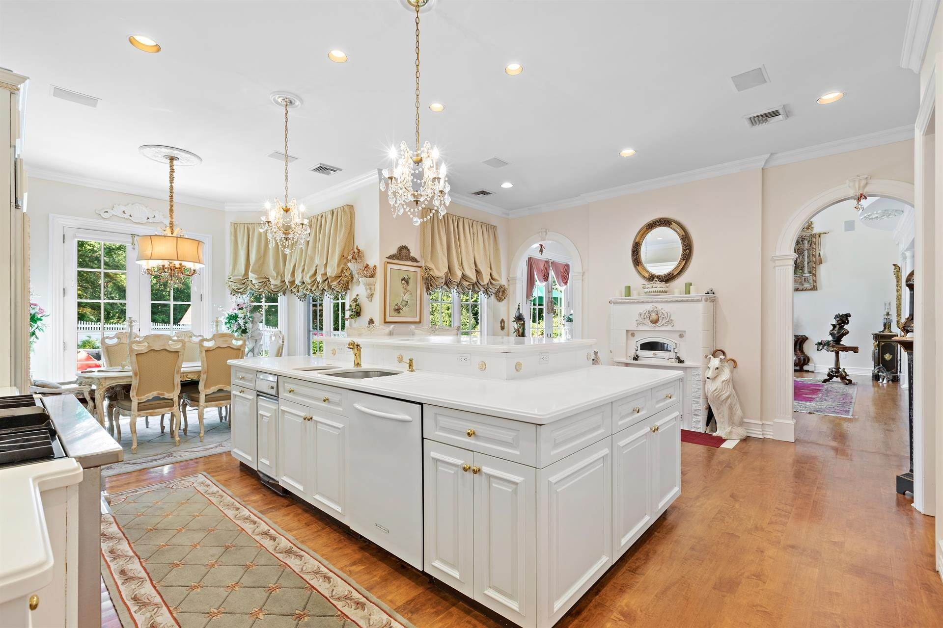 31. Residential for Sale at 15 Hunter Ridge Woodcliff Lake, New Jersey, 07677 United States