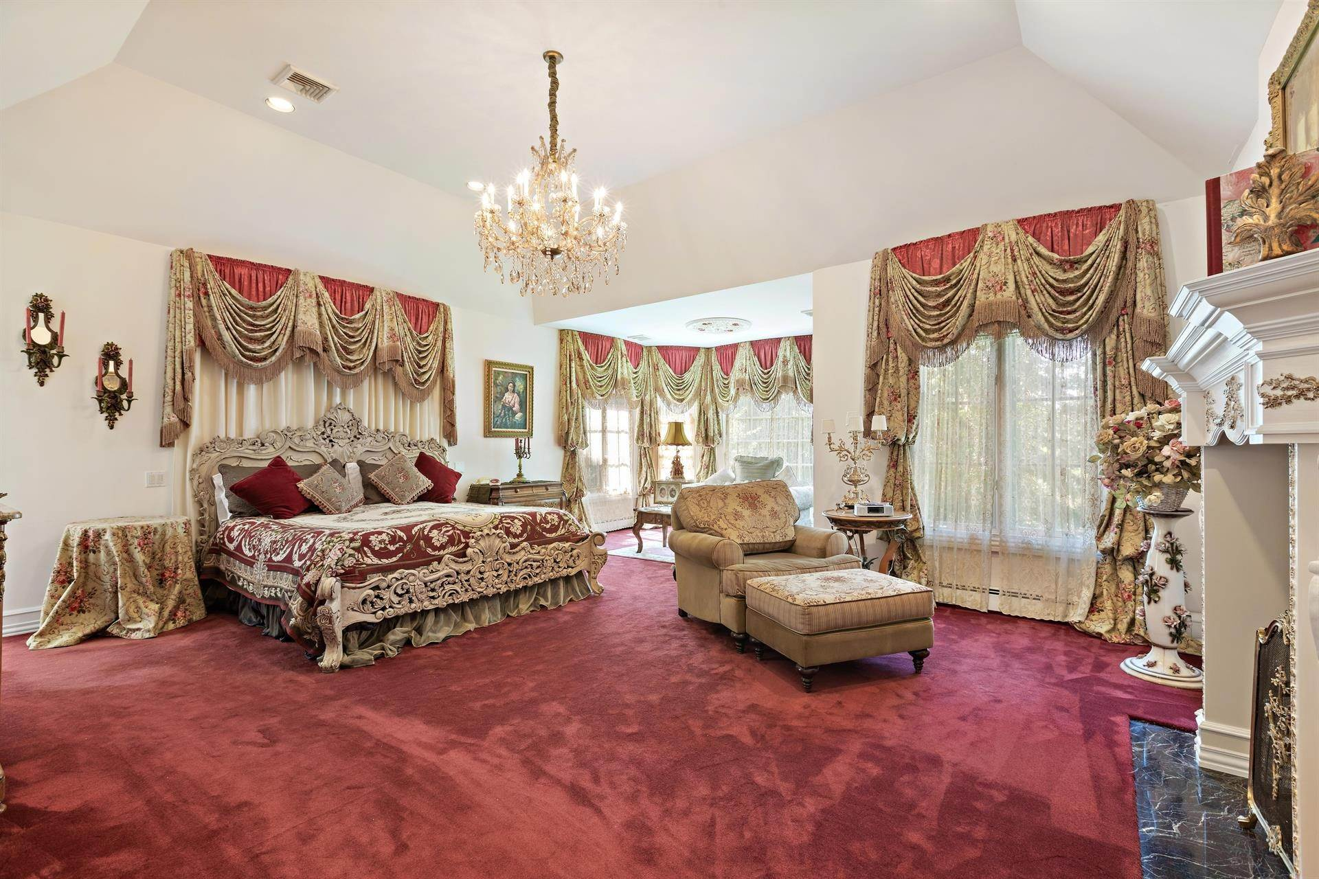 32. Residential for Sale at 15 Hunter Ridge Woodcliff Lake, New Jersey, 07677 United States