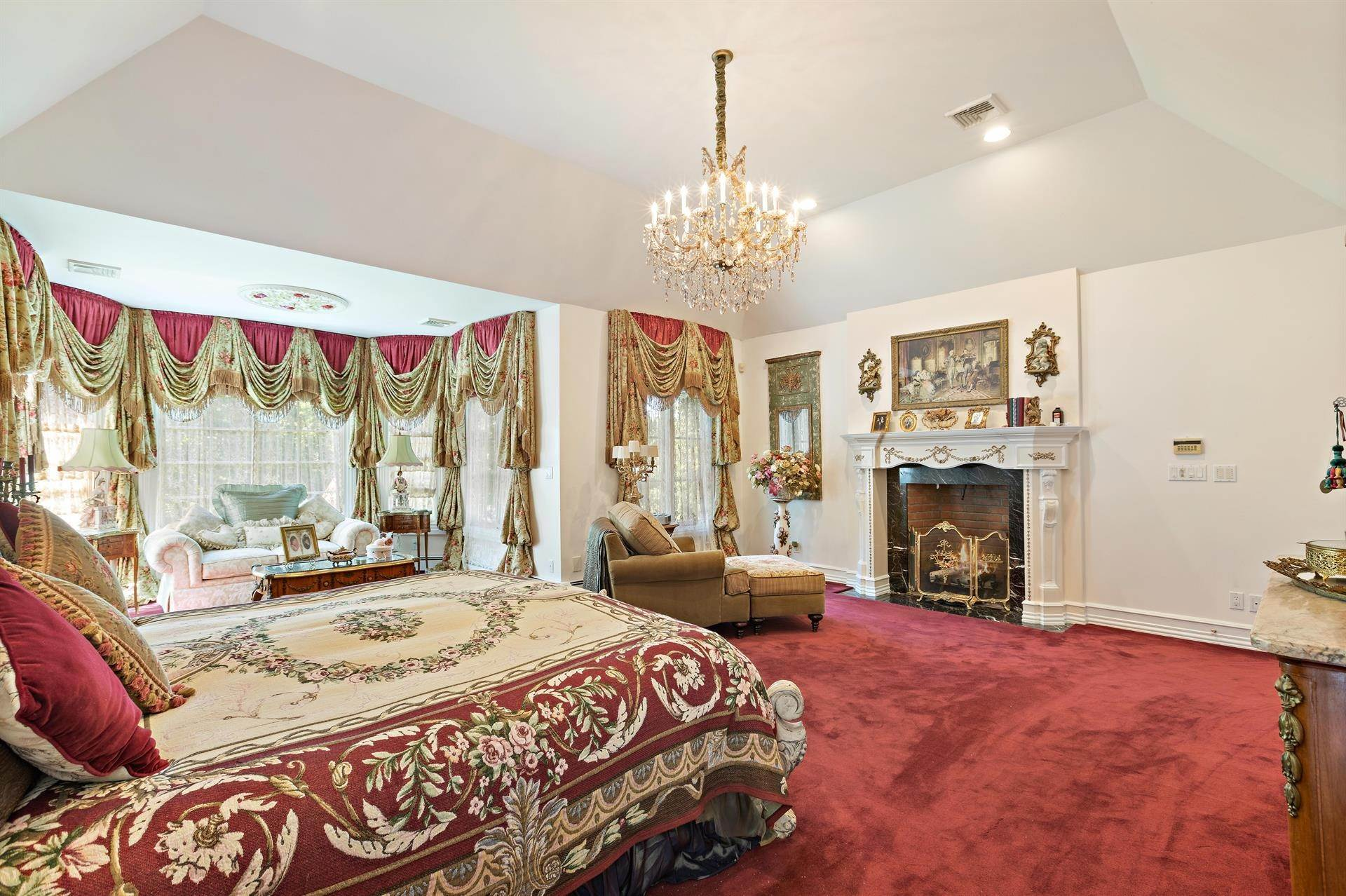 33. Residential for Sale at 15 Hunter Ridge Woodcliff Lake, New Jersey, 07677 United States