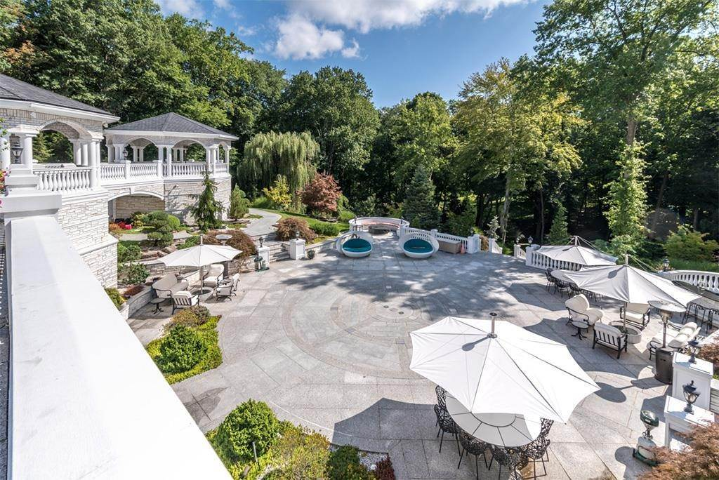 29. Estate for Sale at Palatial Estate Saddle River, New Jersey, 07458 United States