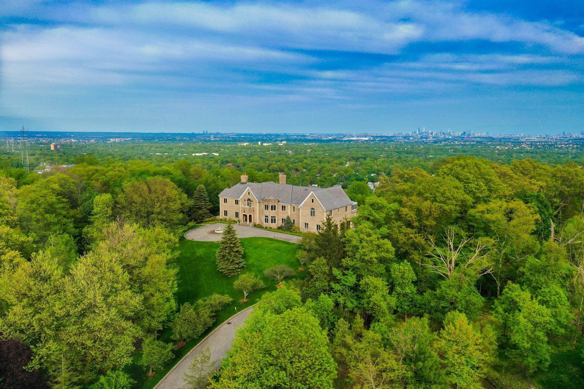 Estate for Sale at Rockledge Manor Cedar Grove, New Jersey, 07009 United States
