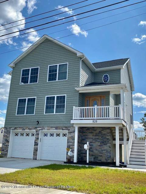 Single Family Home for Sale at 907 Center Street Union Beach, New Jersey, 07735 United States