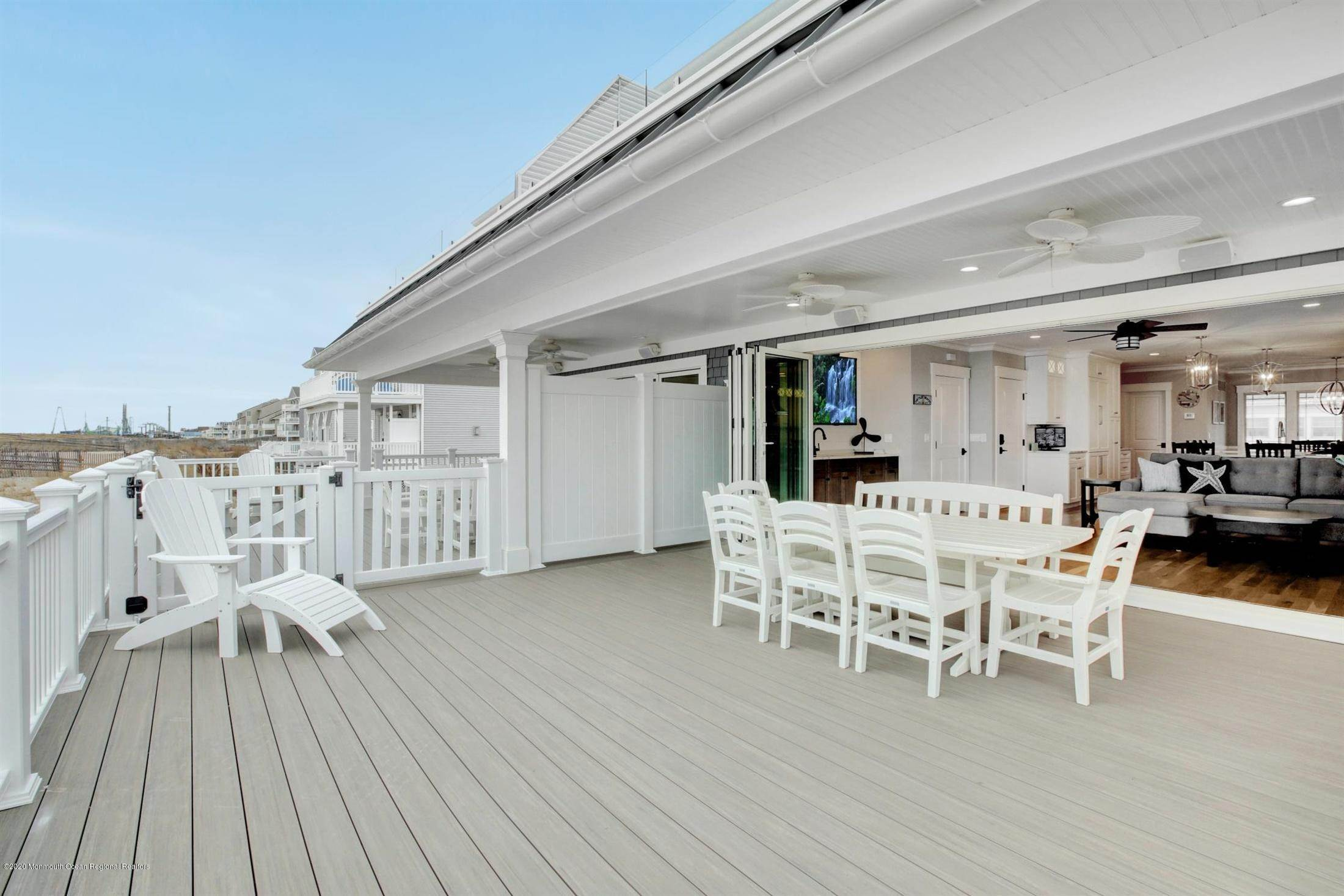 18. Single Family Home for Rent at 1728 Oceanfront Ortley Beach, New Jersey, 08751 United States