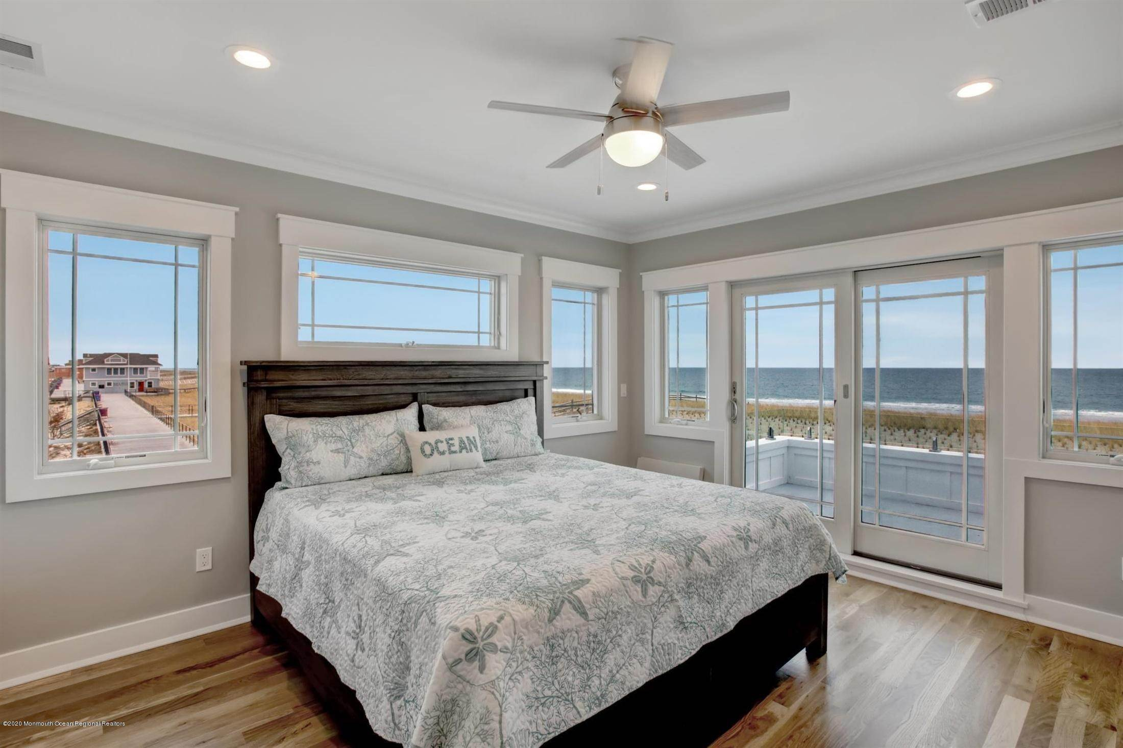 21. Single Family Home for Rent at 1728 Oceanfront Ortley Beach, New Jersey, 08751 United States