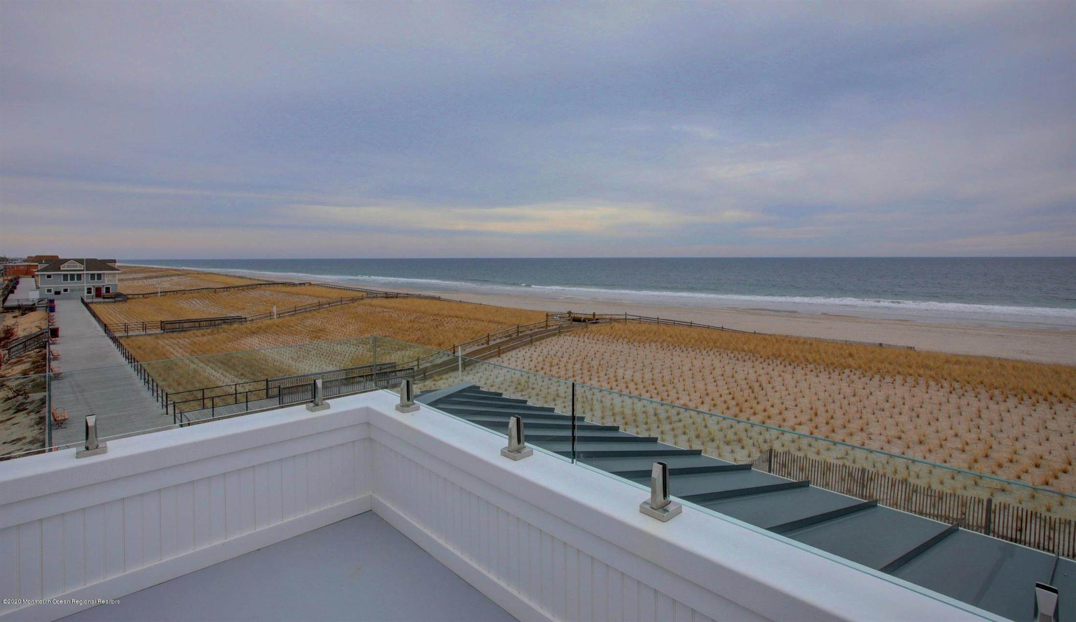 31. Single Family Home for Rent at 1728 Oceanfront Ortley Beach, New Jersey, 08751 United States