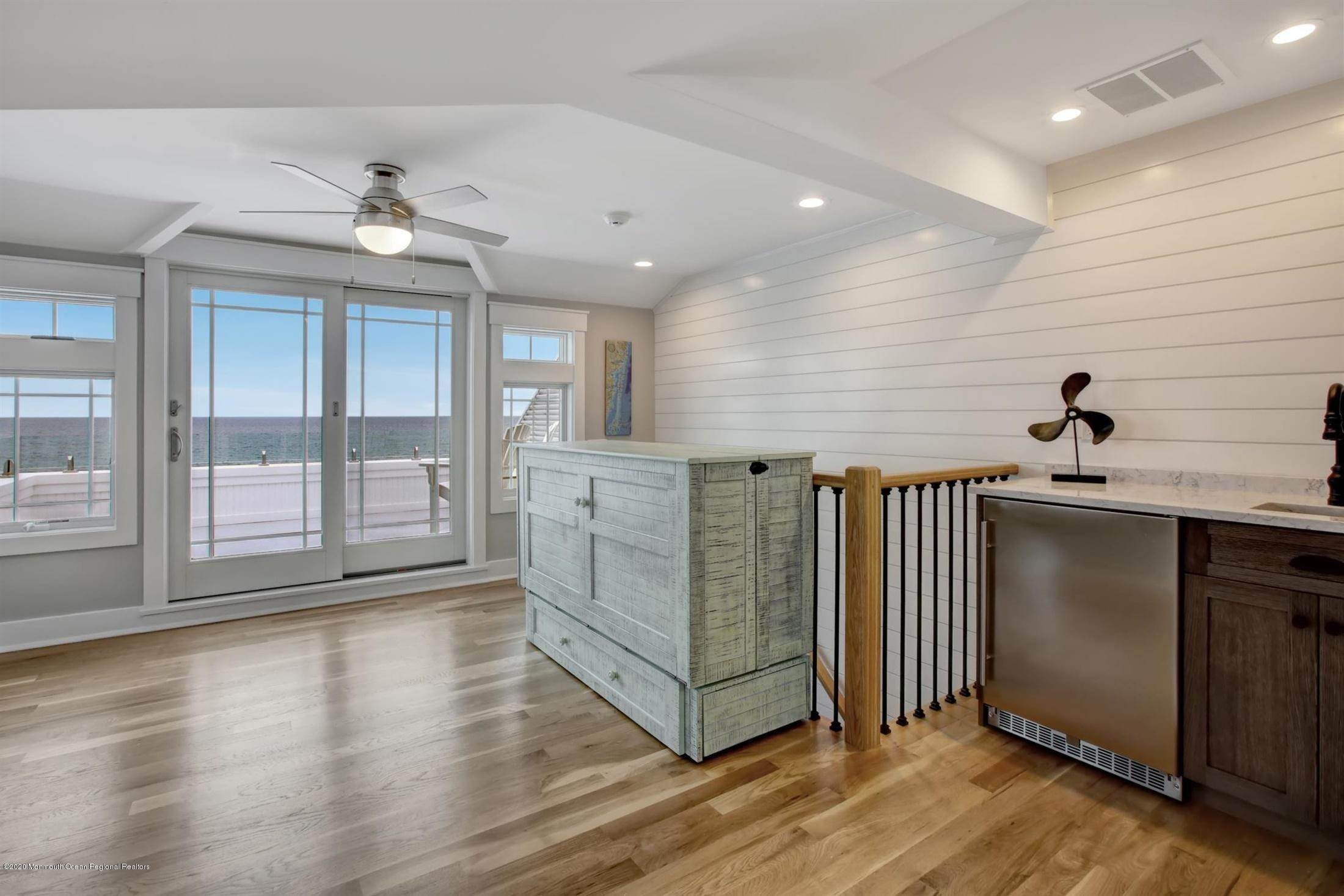 32. Single Family Home for Rent at 1728 Oceanfront Ortley Beach, New Jersey, 08751 United States
