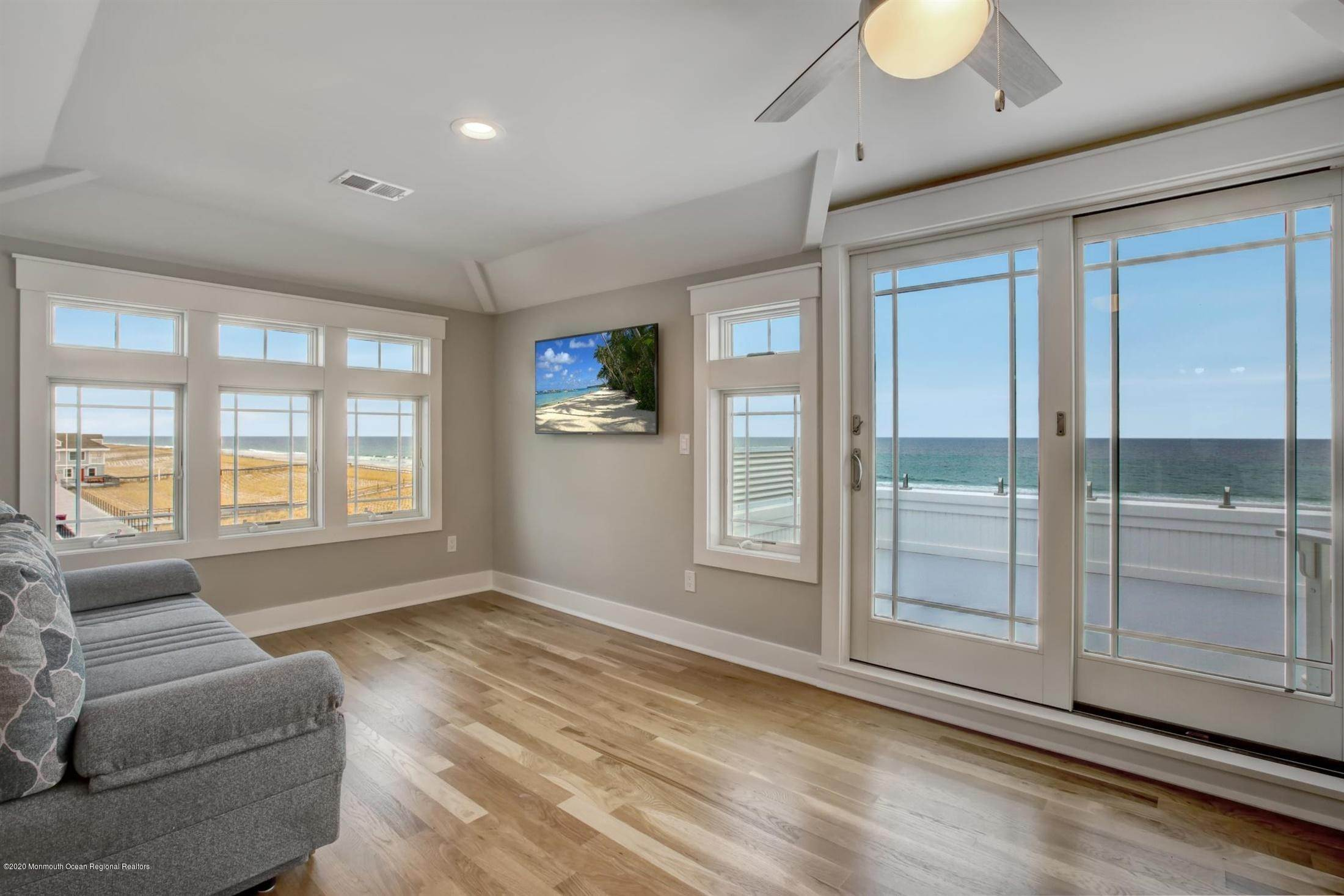 33. Single Family Home for Rent at 1728 Oceanfront Ortley Beach, New Jersey, 08751 United States