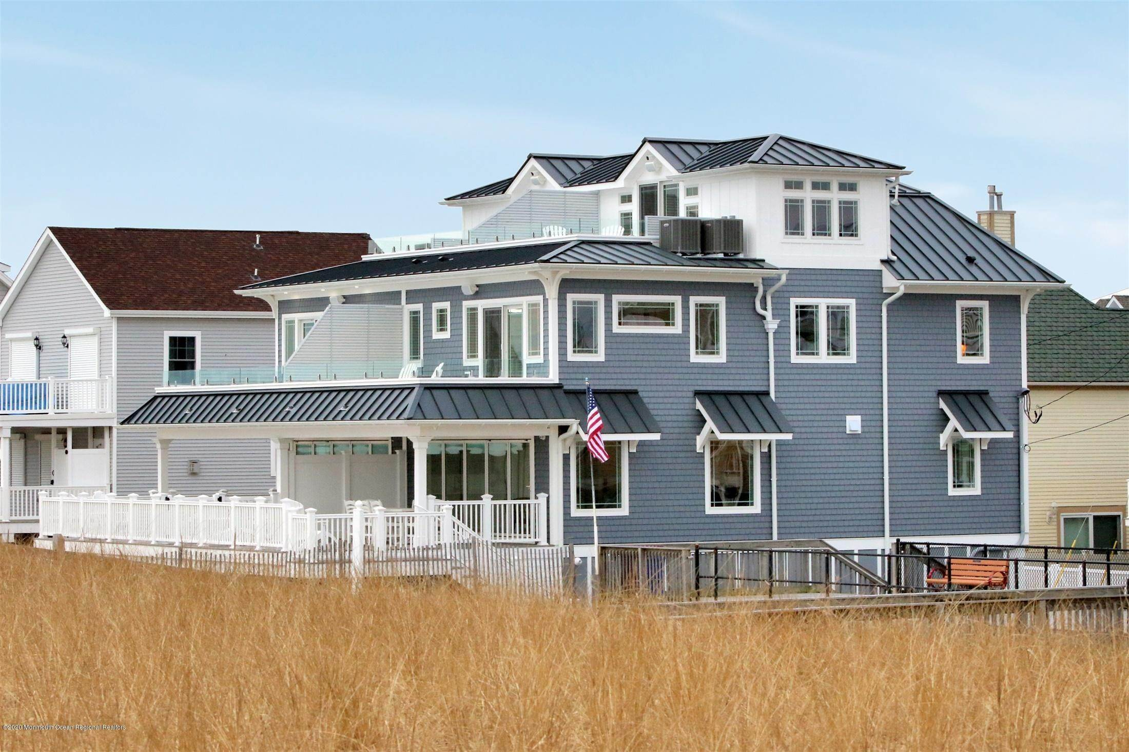 39. Single Family Home for Rent at 1728 Oceanfront Ortley Beach, New Jersey, 08751 United States