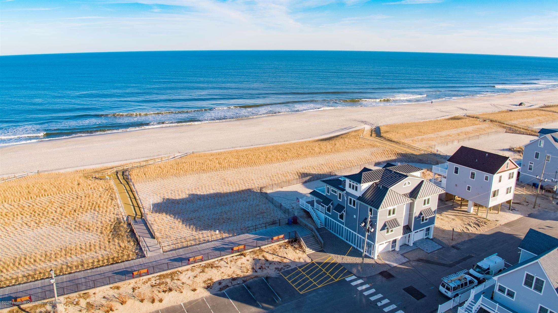 43. Single Family Home for Rent at 1728 Oceanfront Ortley Beach, New Jersey, 08751 United States