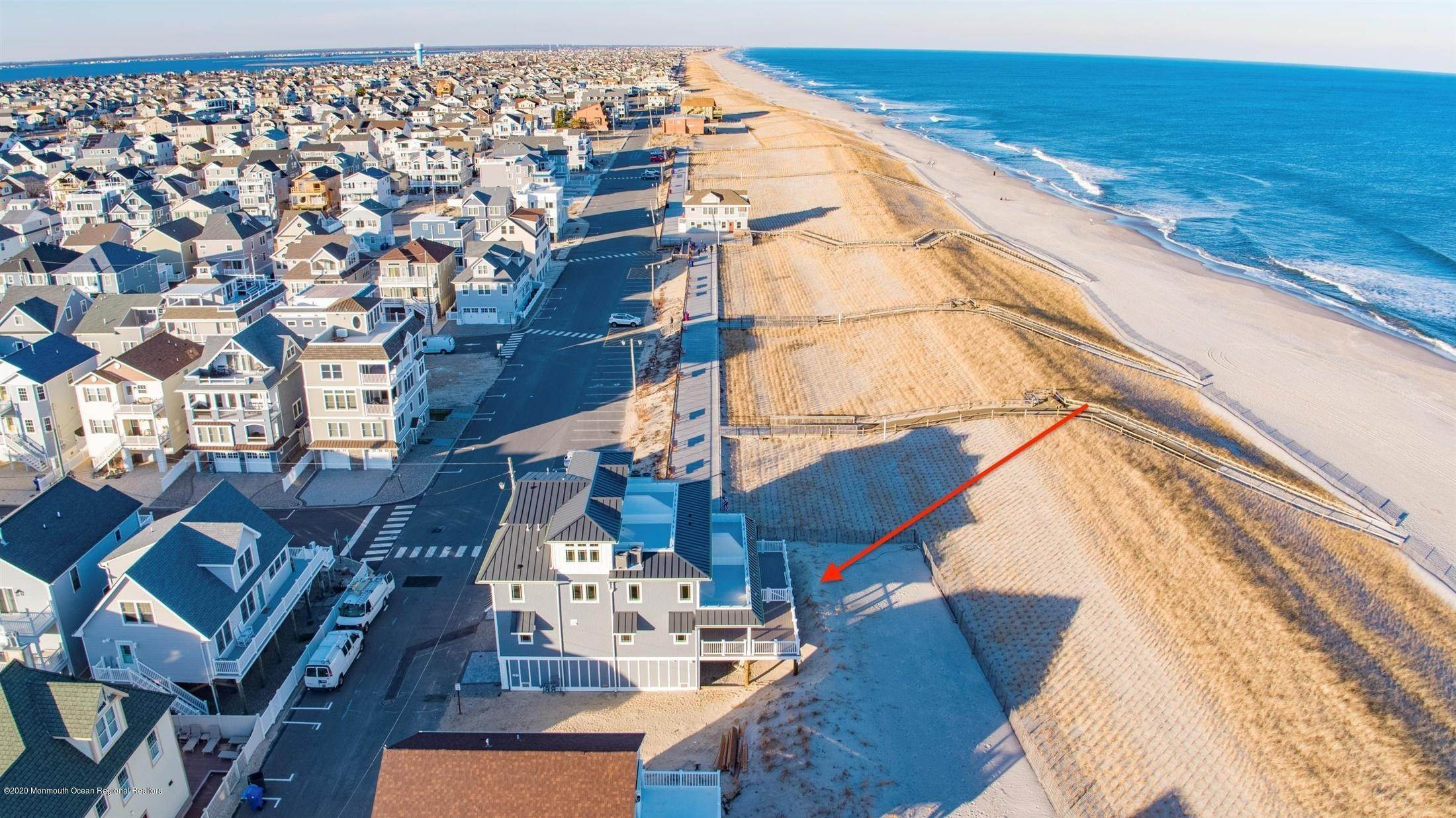 44. Single Family Home for Rent at 1728 Oceanfront Ortley Beach, New Jersey, 08751 United States