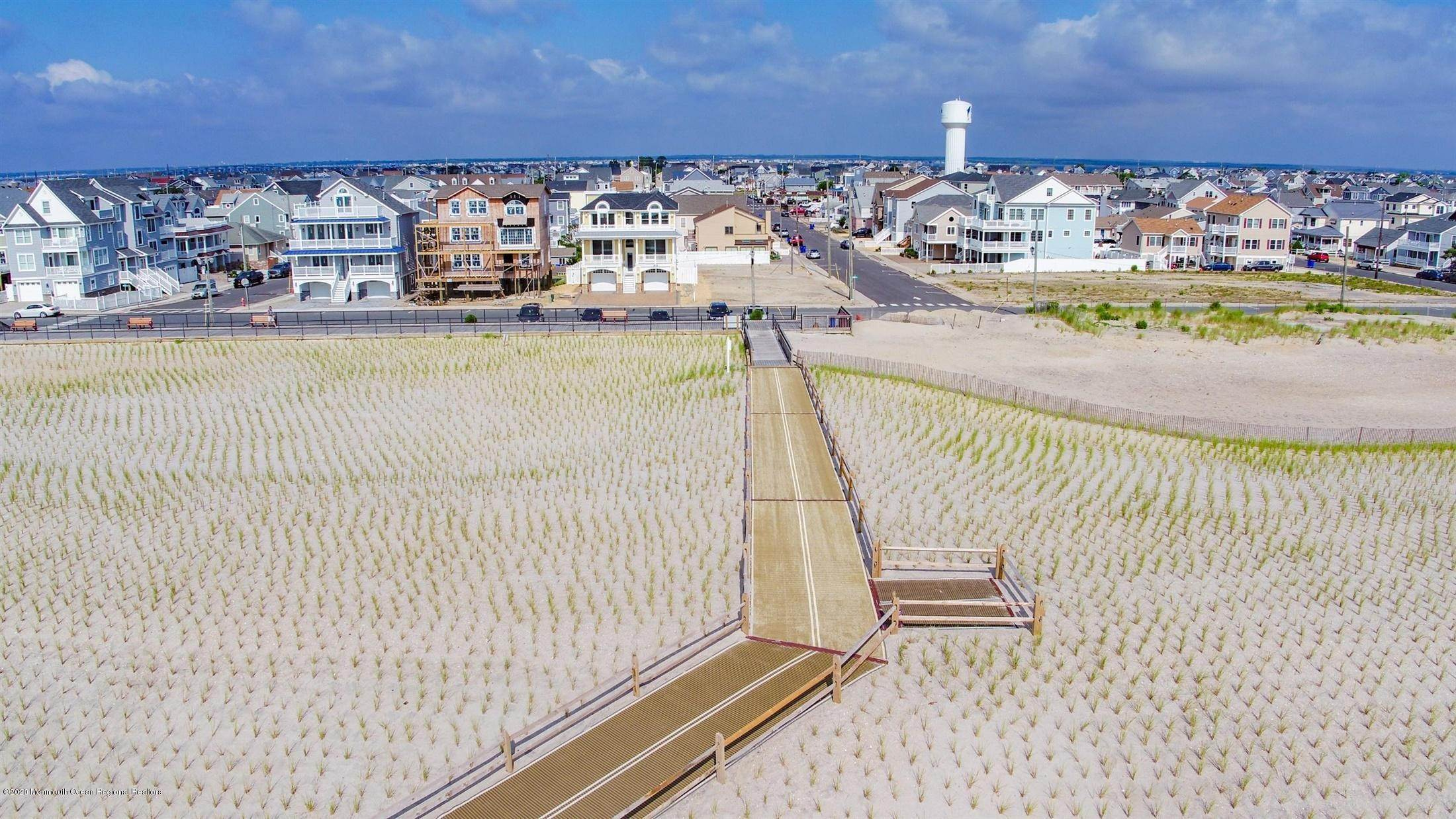 73. Single Family Home for Rent at 1728 Oceanfront Ortley Beach, New Jersey, 08751 United States
