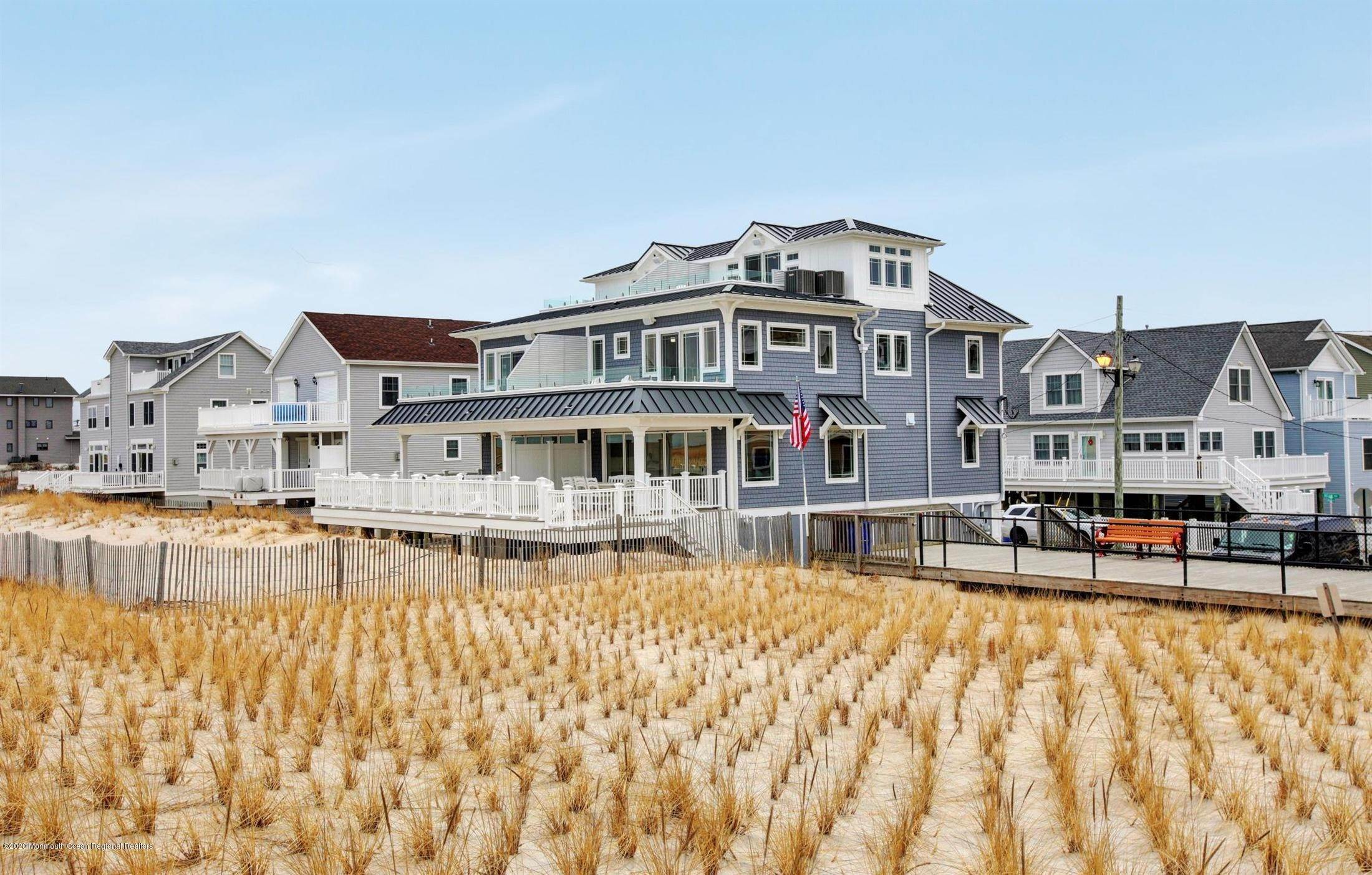 81. Single Family Home for Rent at 1728 Oceanfront Ortley Beach, New Jersey, 08751 United States