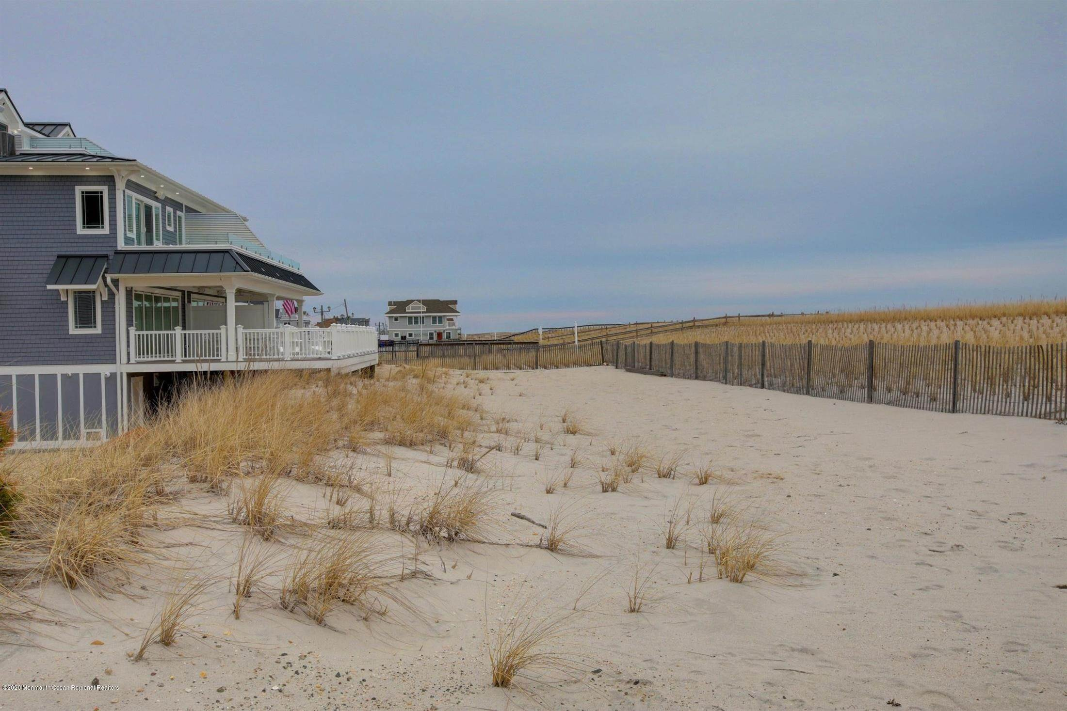 82. Single Family Home for Rent at 1728 Oceanfront Ortley Beach, New Jersey, 08751 United States