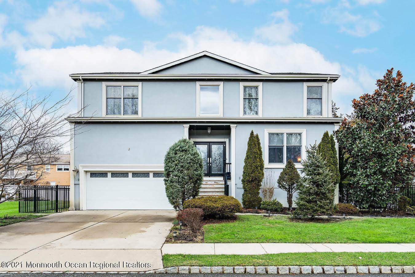 Single Family Home for Sale at 4 Kensington Avenue Spotswood, New Jersey, 08884 United States