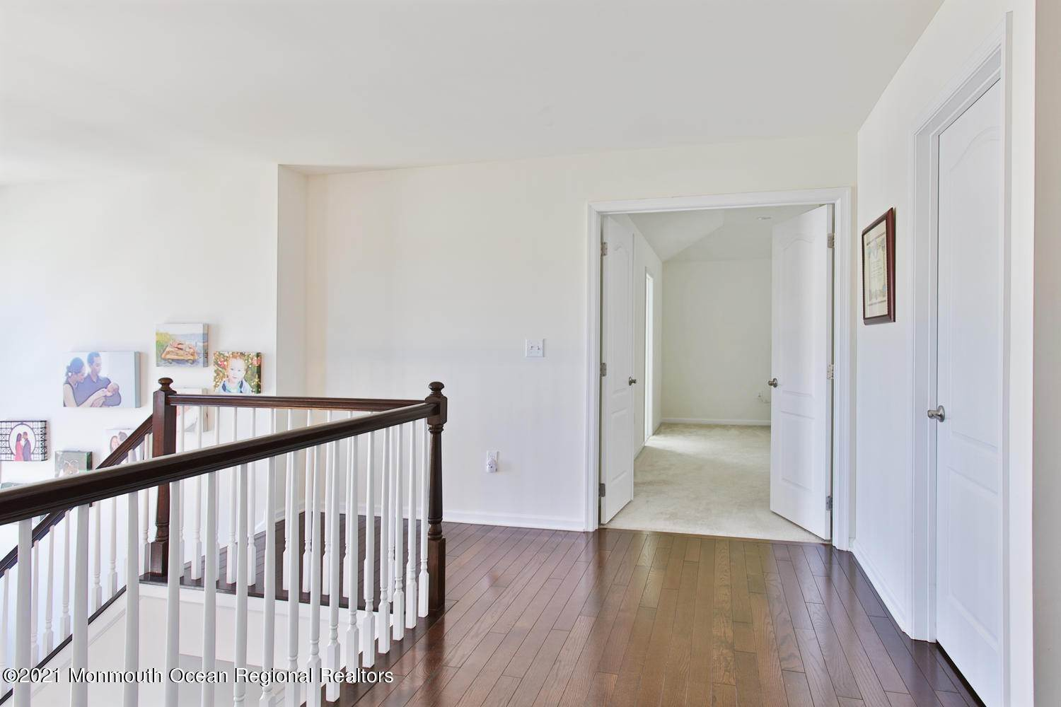 18. Single Family Home for Sale at 3 Birch Street Atlantic Highlands, New Jersey, 07716 United States
