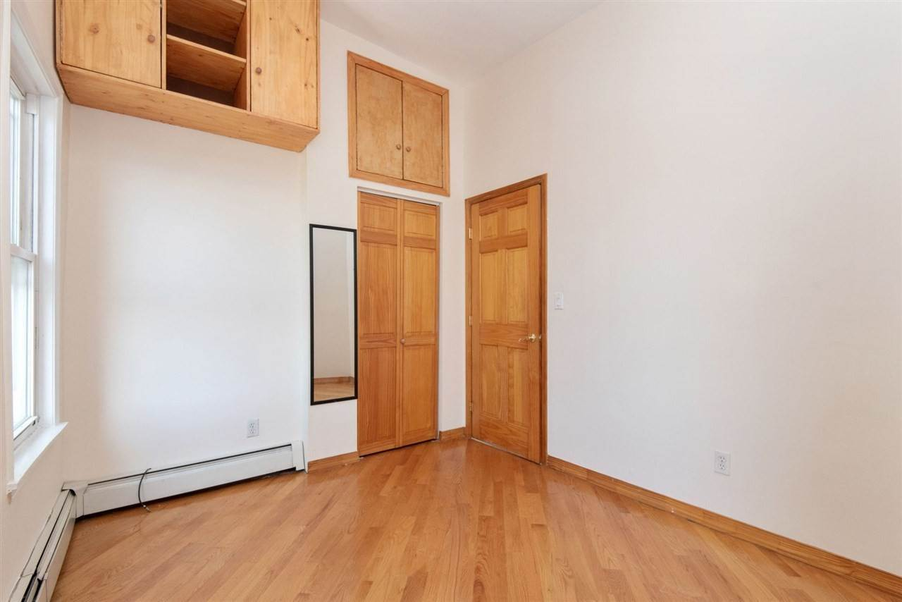 12. Apartments / Flats for Rent at 73 PALISADE AVENUE #3 Jersey City, New Jersey, 07307 United States
