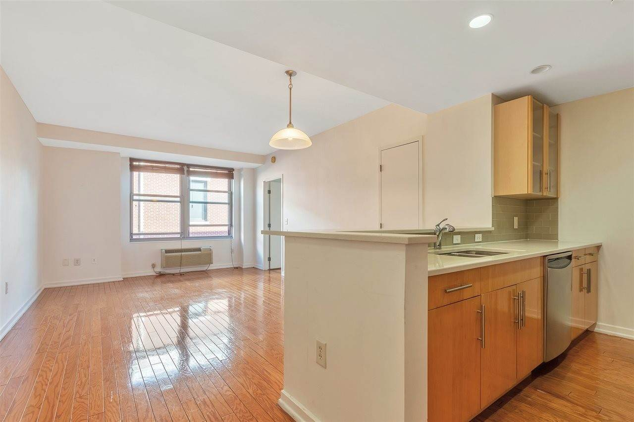 7. Condominium for Rent at 149 ESSEX STREET #5C Jersey City, New Jersey, 07302 United States