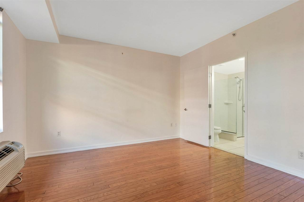 9. Condominium for Rent at 149 ESSEX STREET #5C Jersey City, New Jersey, 07302 United States