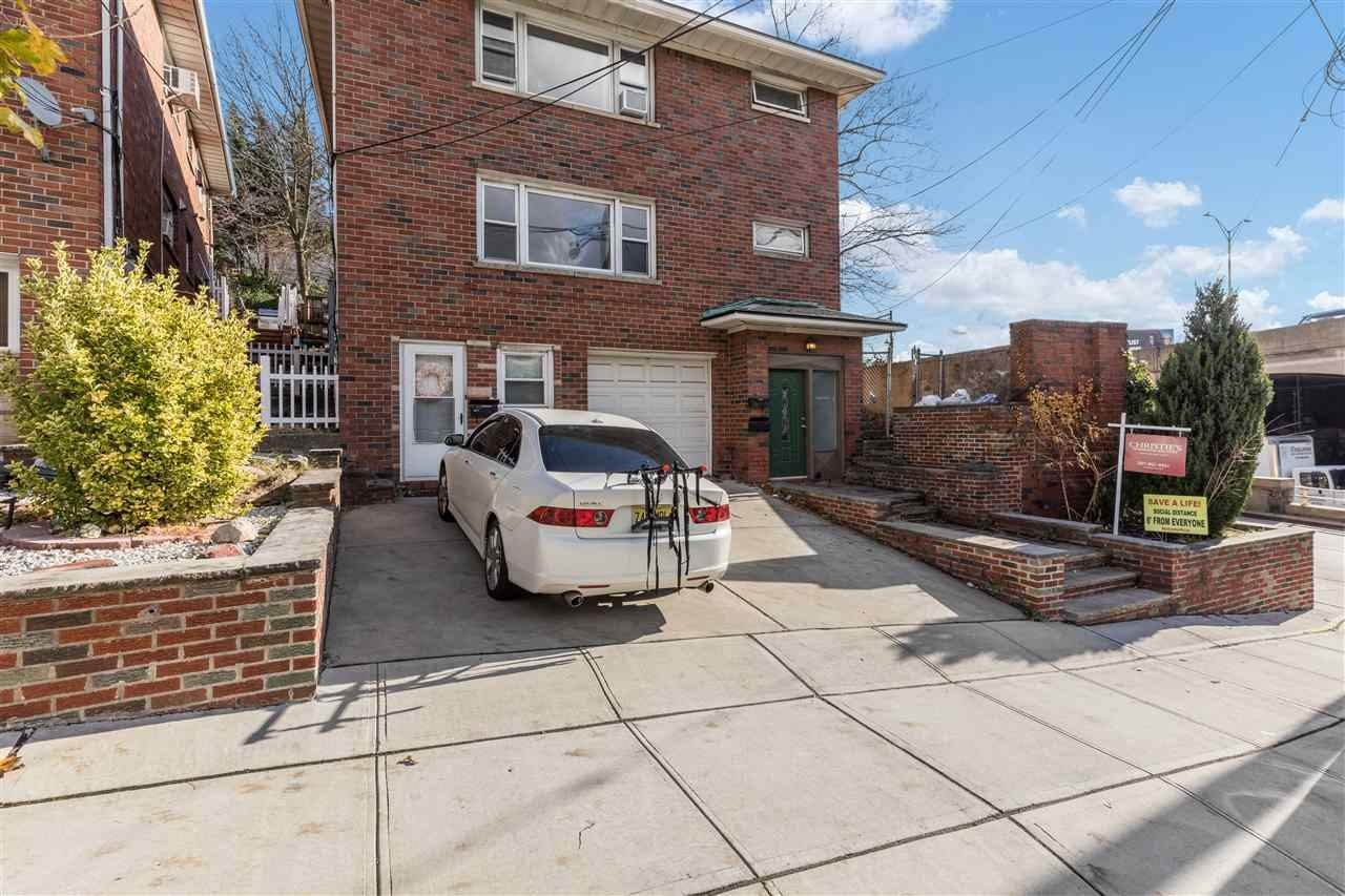 Single Family Home for Rent at 40 HAUXHURST AVENUE #2 Weehawken, New Jersey, 07086 United States