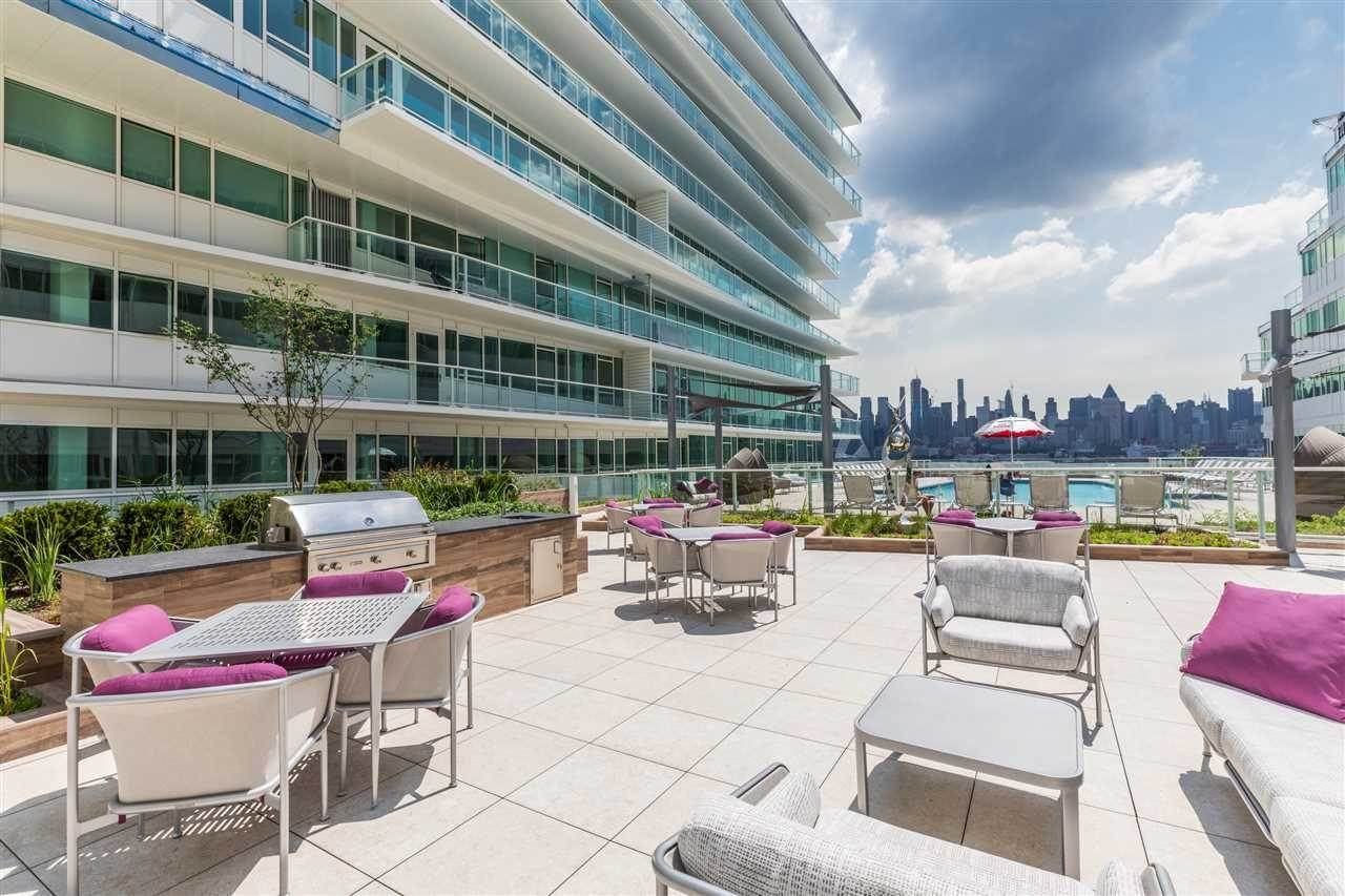 13. Single Family Home for Rent at 800 AVENUE AT PORT IMPERIAL #603 Weehawken, New Jersey, 07086 United States