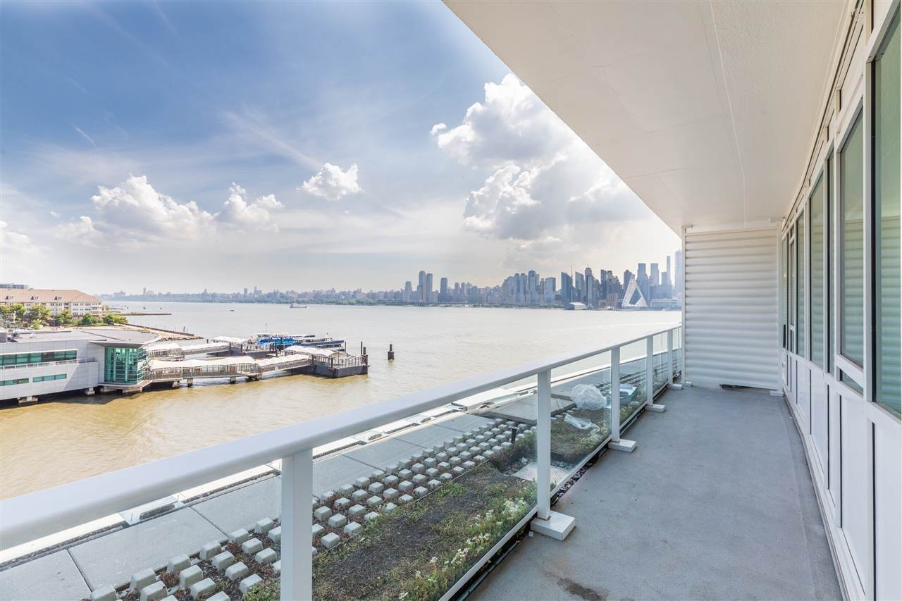 9. Single Family Home for Rent at 800 AVENUE AT PORT IMPERIAL #603 Weehawken, New Jersey, 07086 United States