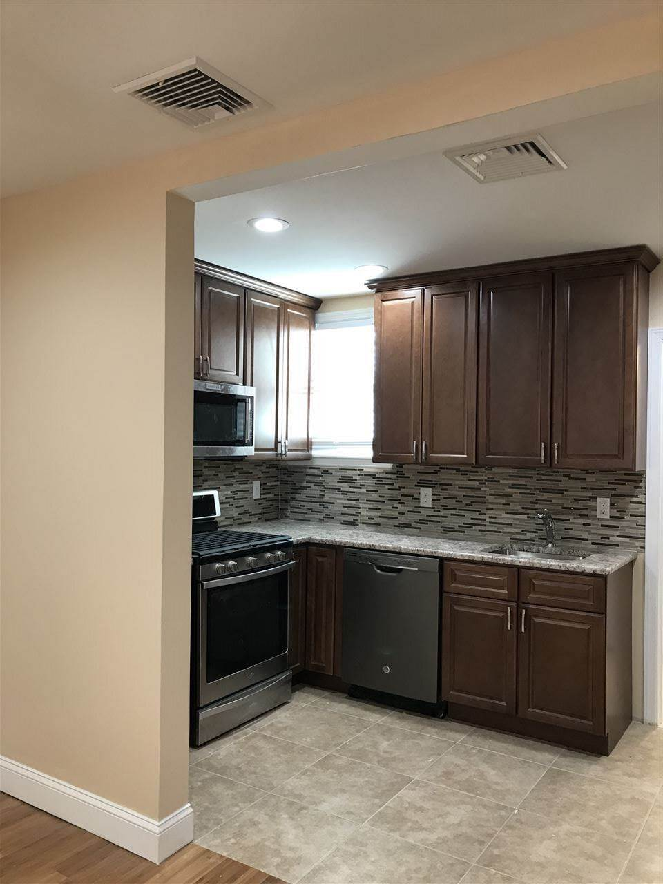 2. Apartments / Flats for Rent at 57 HAGUE STREET #4 Jersey City, New Jersey, 07307 United States