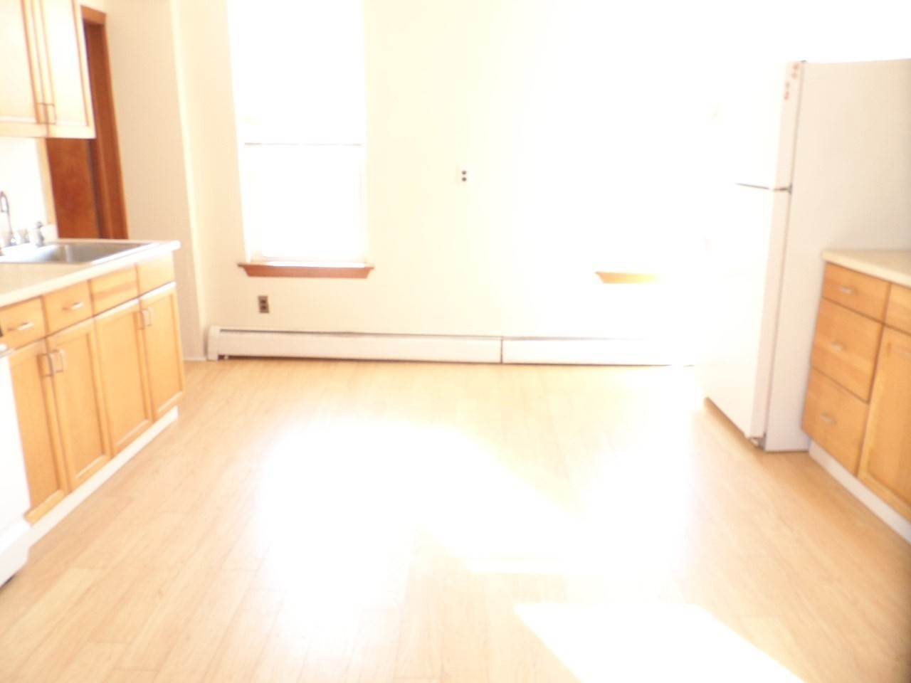 3. Single Family Home for Rent at 545 NEWARK AVENUE Jersey City, New Jersey, 07306 United States