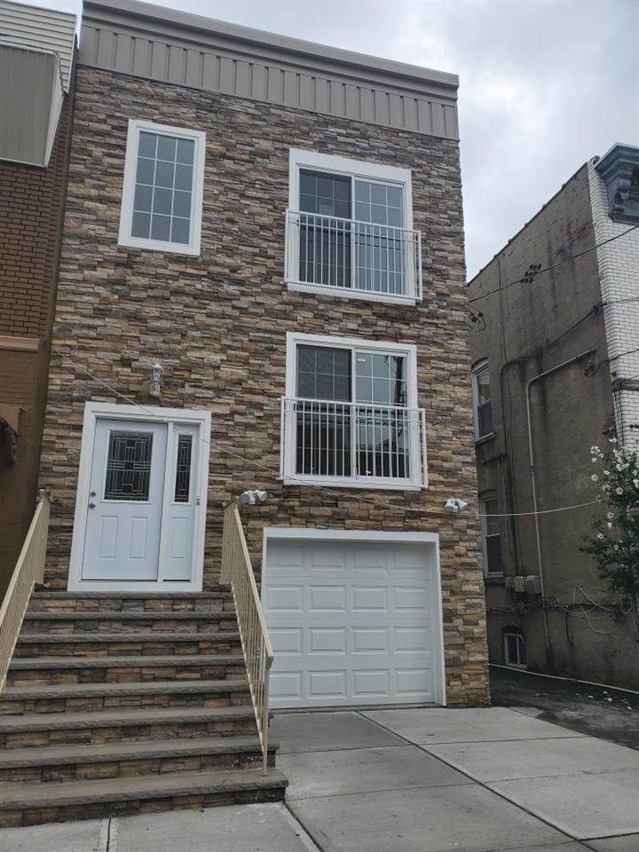 Apartments / Flats for Rent at 206 WOODWARD STREET #2 Jersey City, New Jersey, 07304 United States