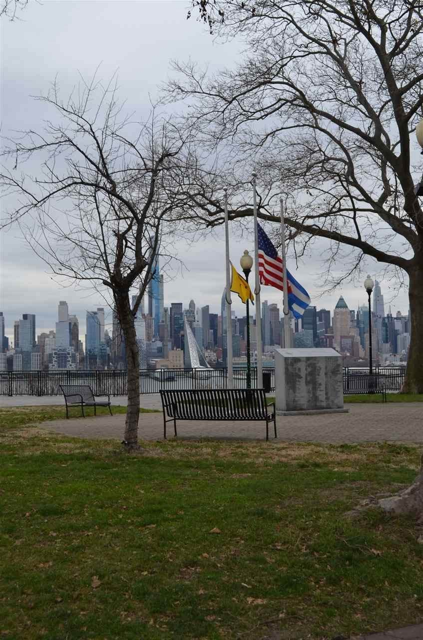 Apartments / Flats for Rent at 36 50TH STREET #B9 Weehawken, New Jersey, 07086 United States