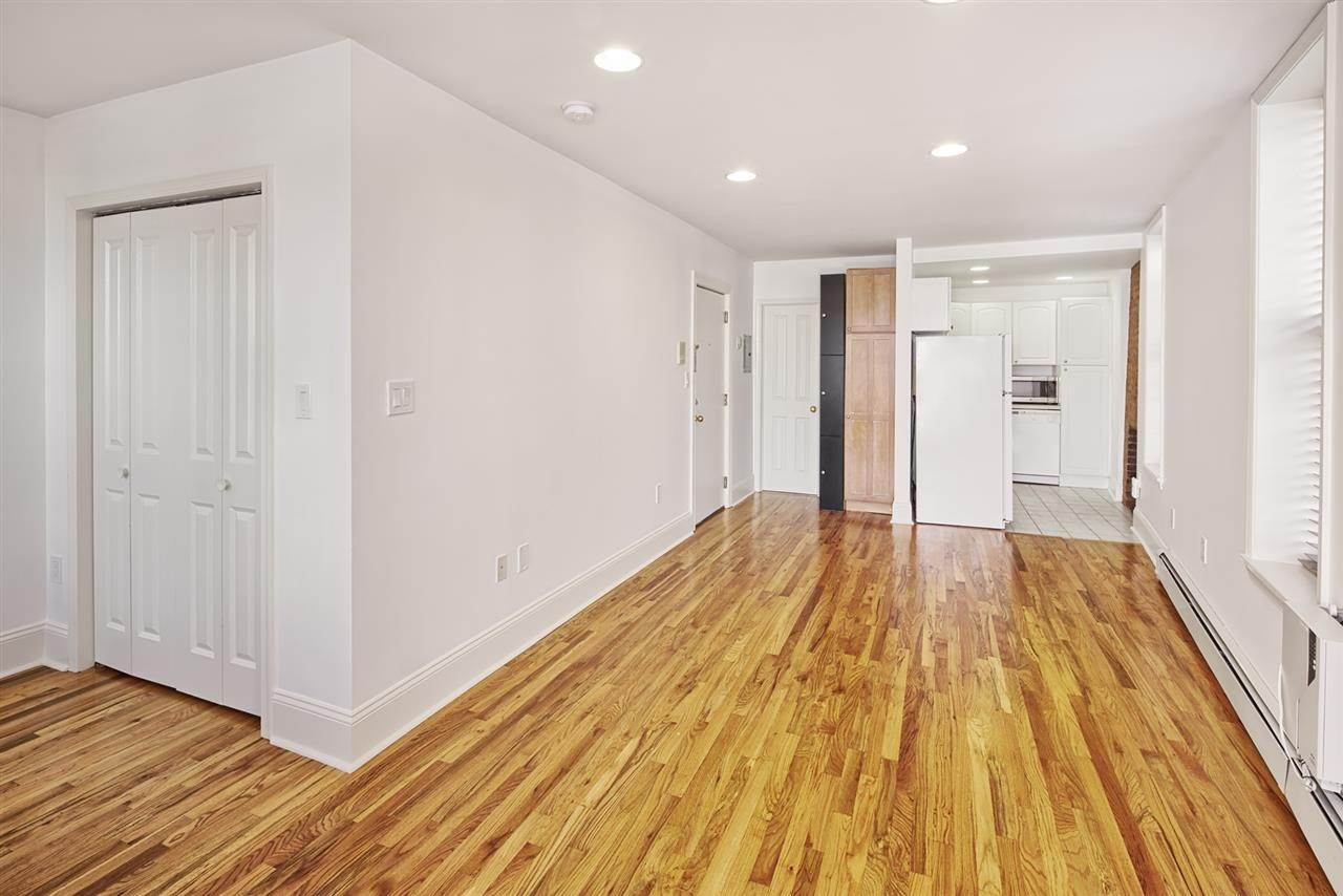 6. Single Family Home for Rent at 540 JERSEY AVENUE #1 Jersey City, New Jersey, 07302 United States