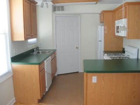 2. Single Family Home for Rent at 166 GRIFFITH STREET #2 Jersey City, New Jersey, 07307 United States