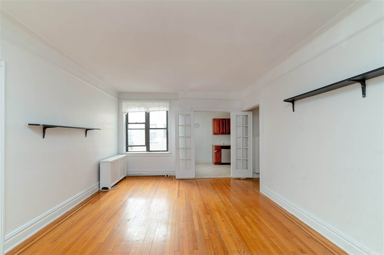 Single Family Home for Rent at 131 KENSINGTON AVENUE #E3 Jersey City, New Jersey, 07304 United States