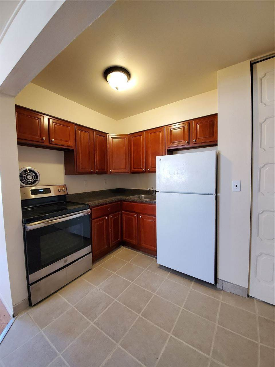 2. Apartments / Flats for Rent at 231 69TH STREET Guttenberg, New Jersey, 07087 United States