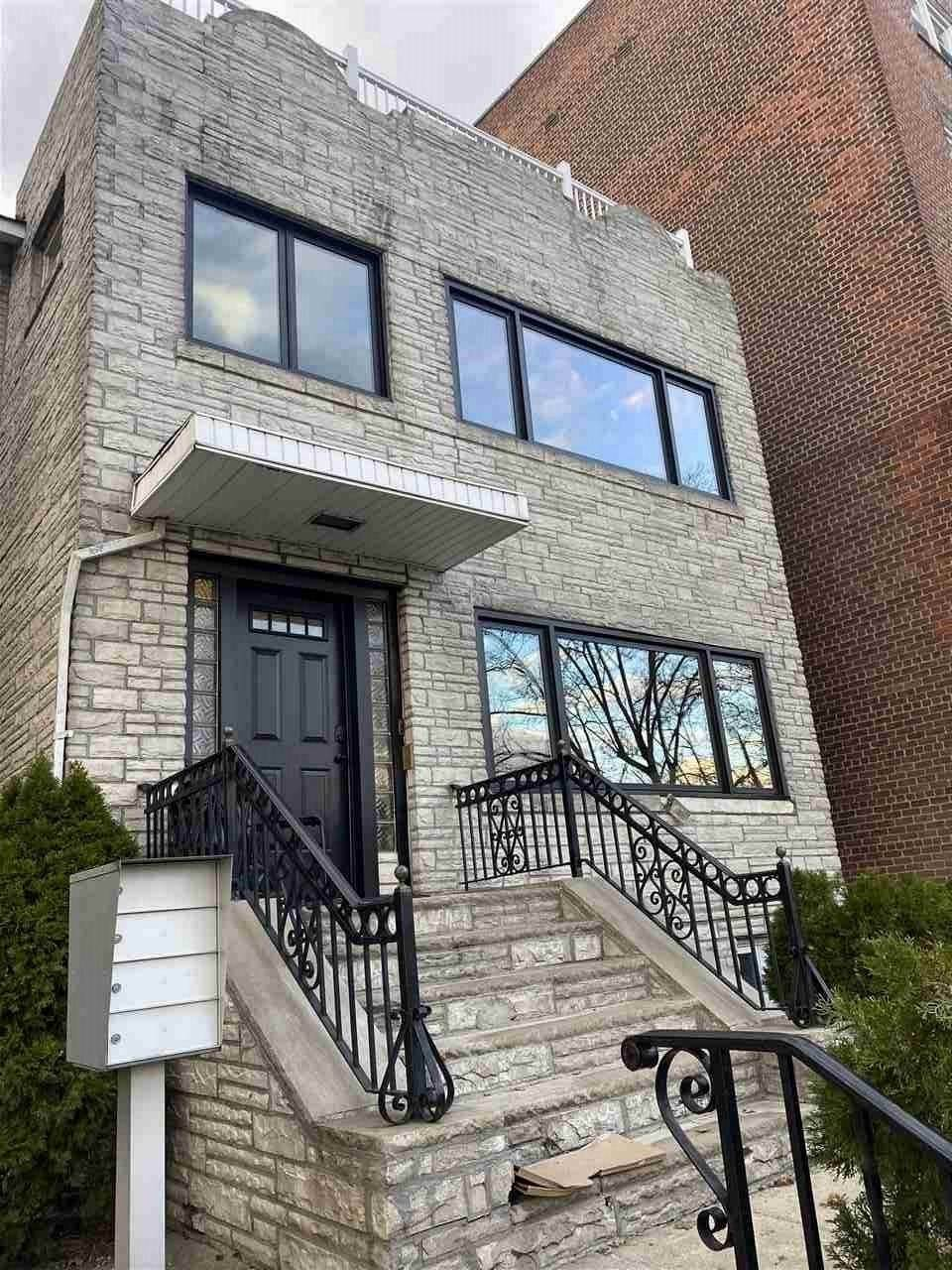 Single Family Home for Rent at 6115 BOULEVARD EAST #2 West New York, New Jersey, 07093 United States