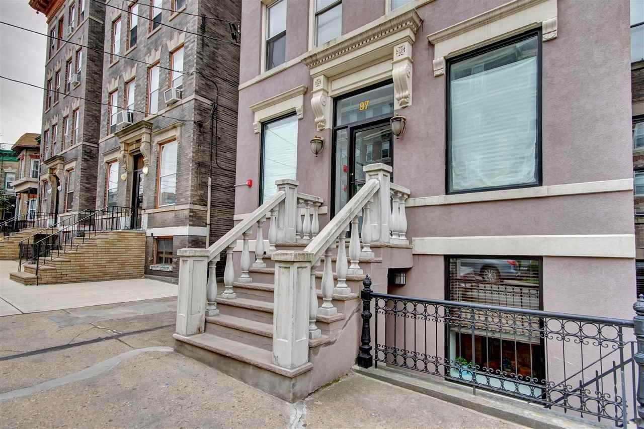 15. Single Family Home for Rent at 97 CLIFTON TERRACE Weehawken, New Jersey, 07086 United States