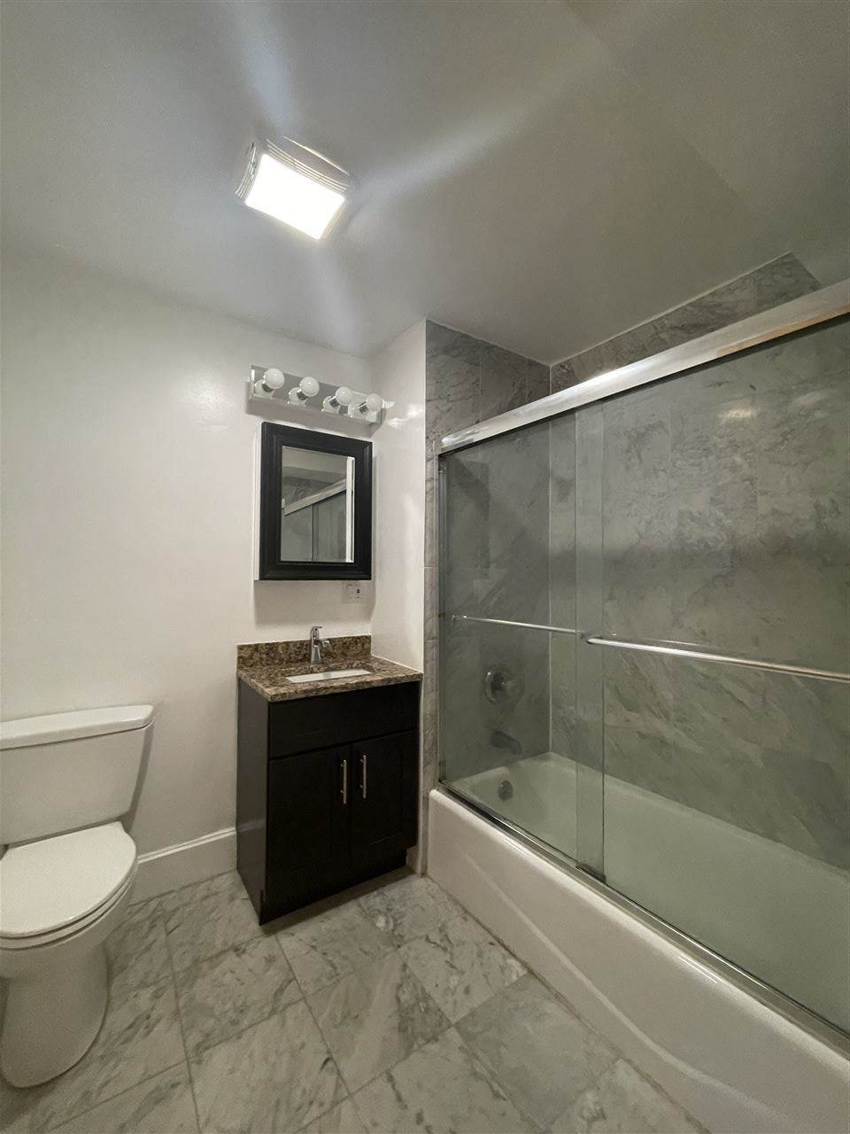 10. Single Family Home for Rent at 204 CHRISTOPHER COLUMBUS DRIVE #1 Jersey City, New Jersey, 07302 United States