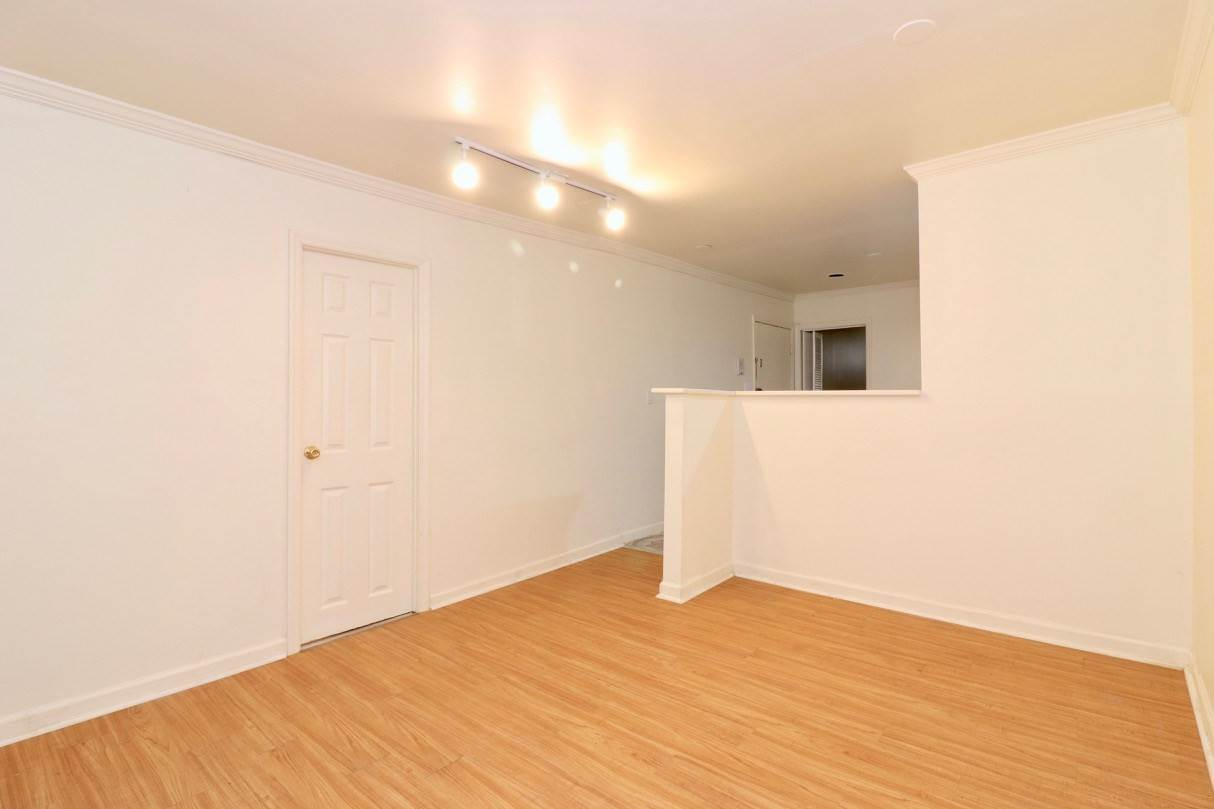 3. Apartments / Flats for Rent at 165 GRAND STREET #1 (G) Jersey City, New Jersey, 07302 United States