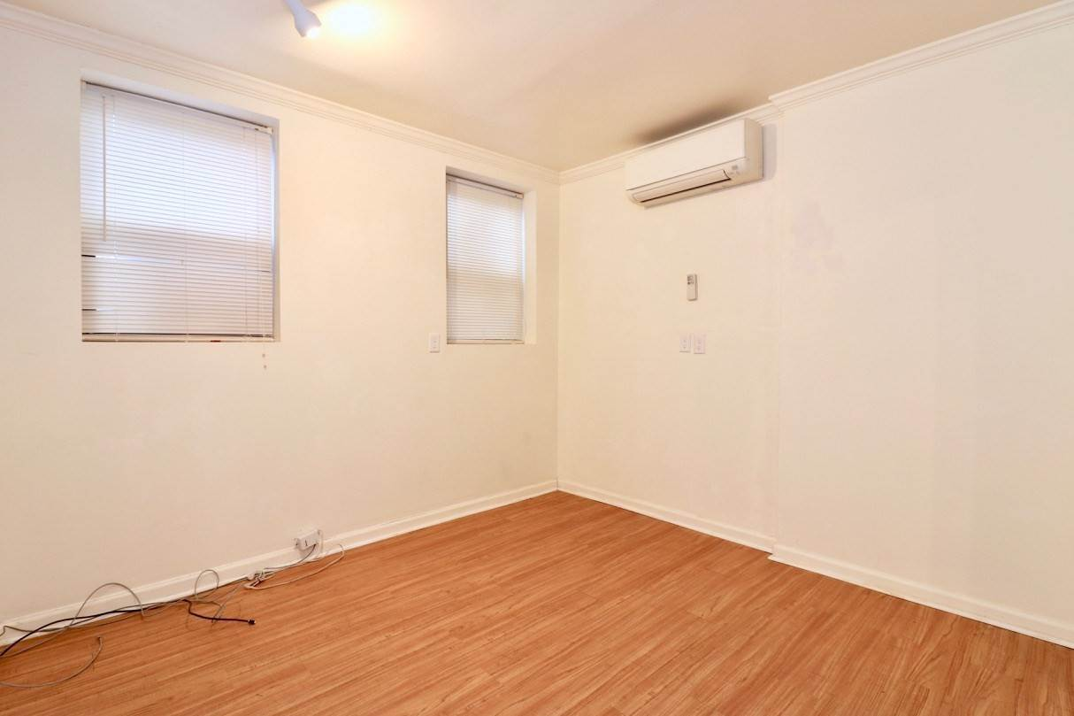 4. Apartments / Flats for Rent at 165 GRAND STREET #1 (G) Jersey City, New Jersey, 07302 United States