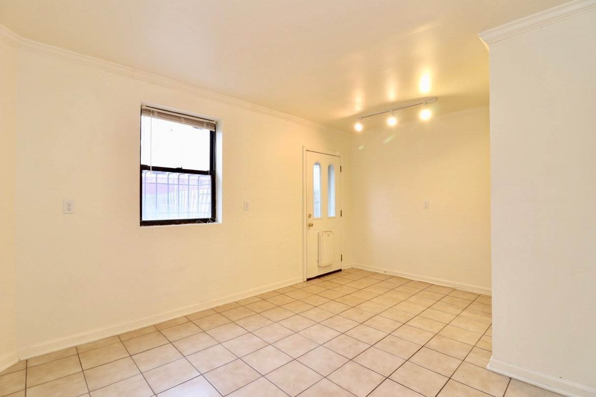 8. Apartments / Flats for Rent at 165 GRAND STREET #1 (G) Jersey City, New Jersey, 07302 United States
