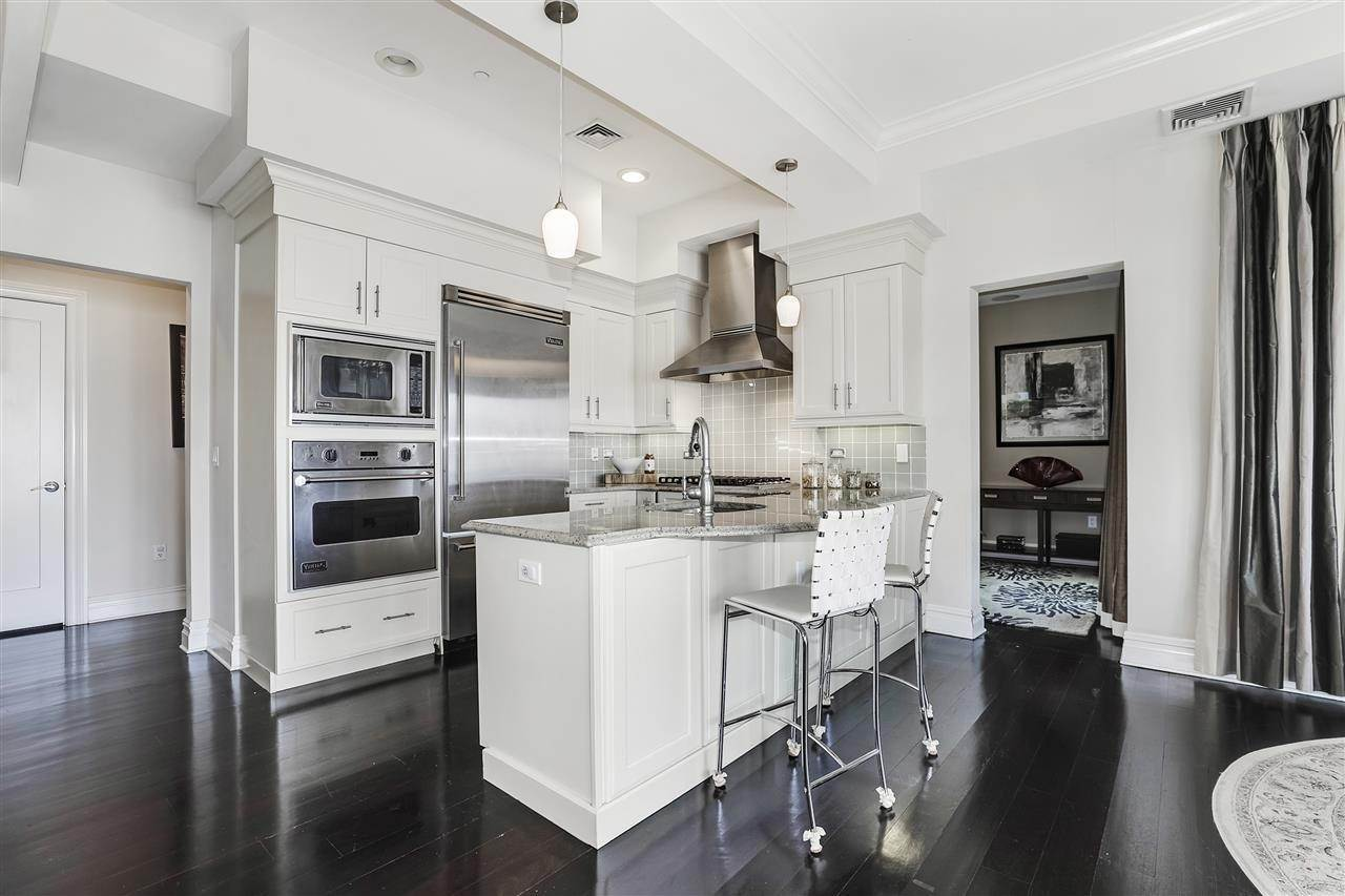 3. Single Family Home for Rent at 50 CAMBRIDGE WAY #50 Weehawken, New Jersey, 07302 United States